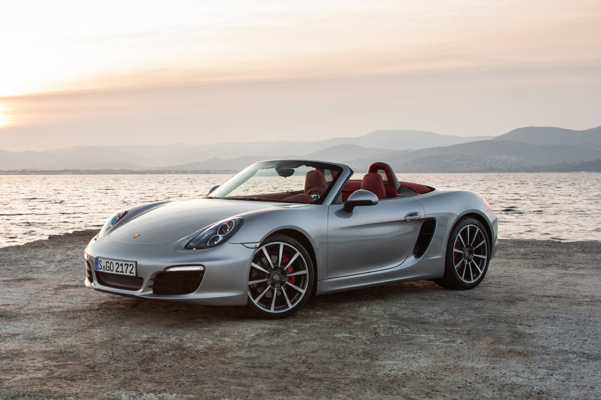 roadster roundup porsche boxster s vs mercedes benz. Black Bedroom Furniture Sets. Home Design Ideas