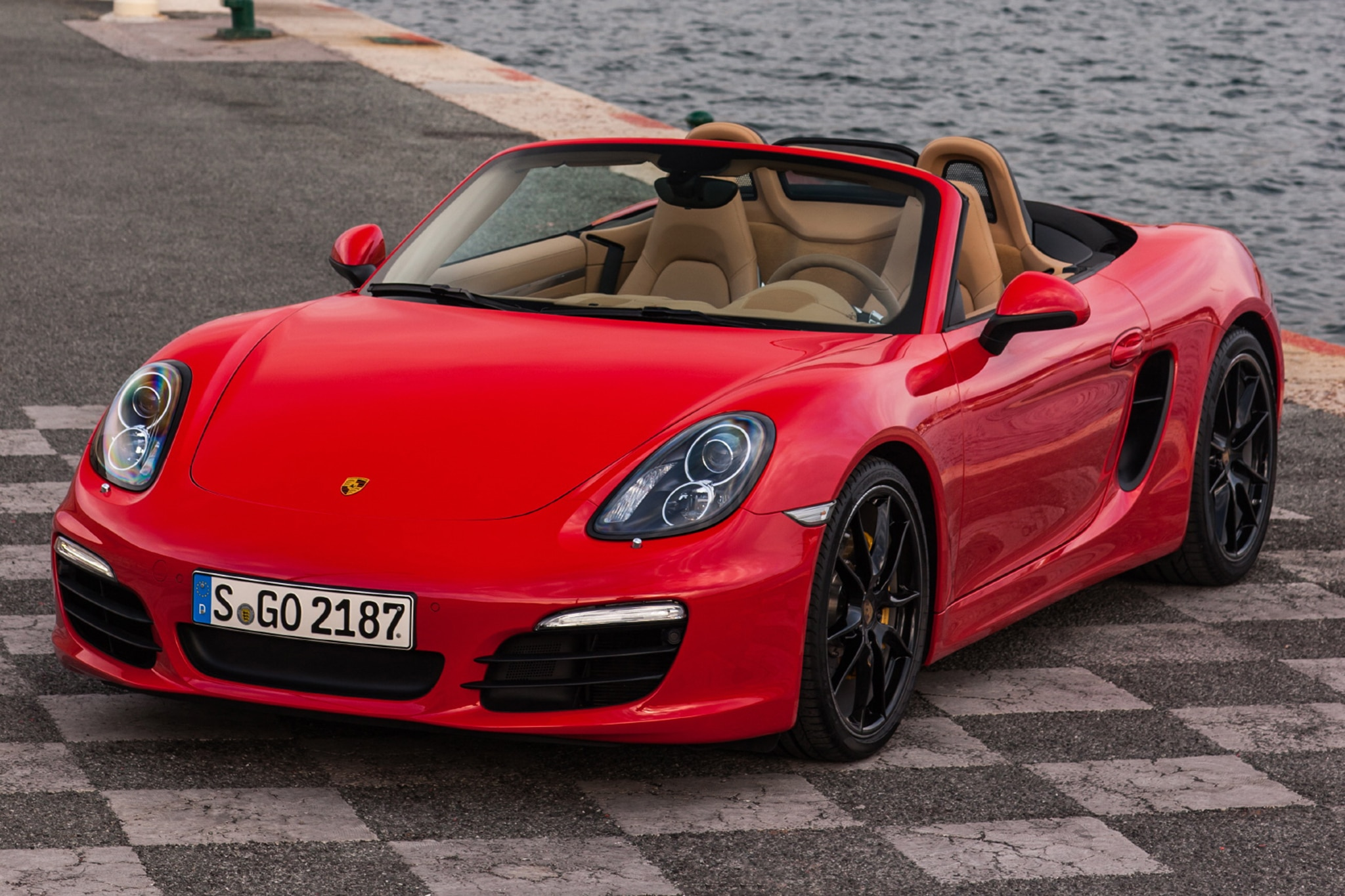 first drive 2013 porsche boxster automobile magazine. Black Bedroom Furniture Sets. Home Design Ideas