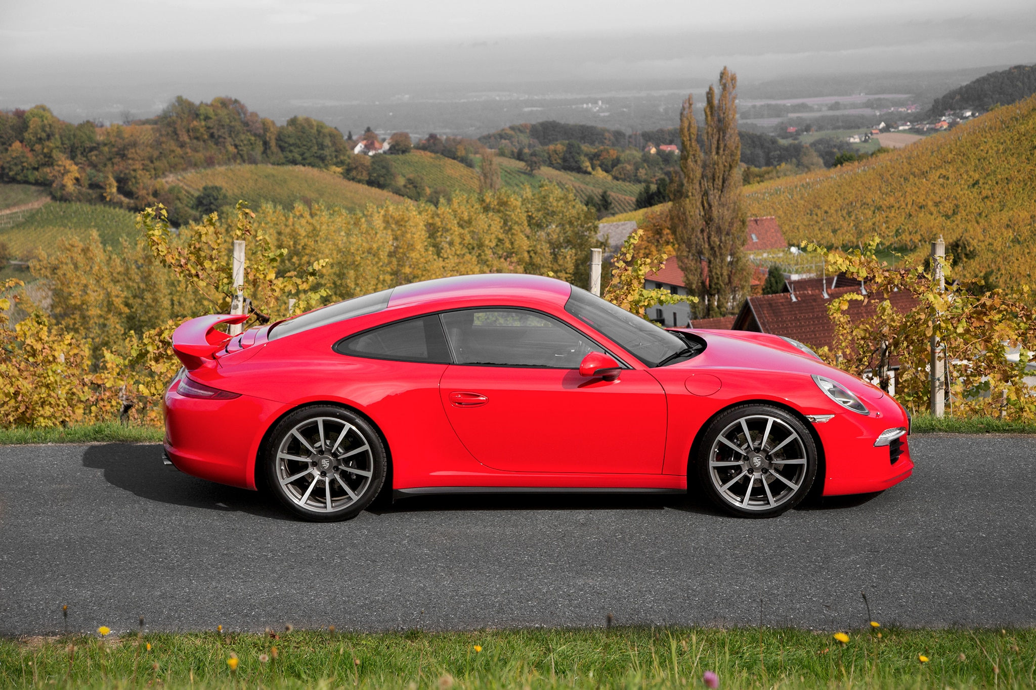 2013 porsche 911 carrera s editors 39 notebook automobile magazine. Black Bedroom Furniture Sets. Home Design Ideas