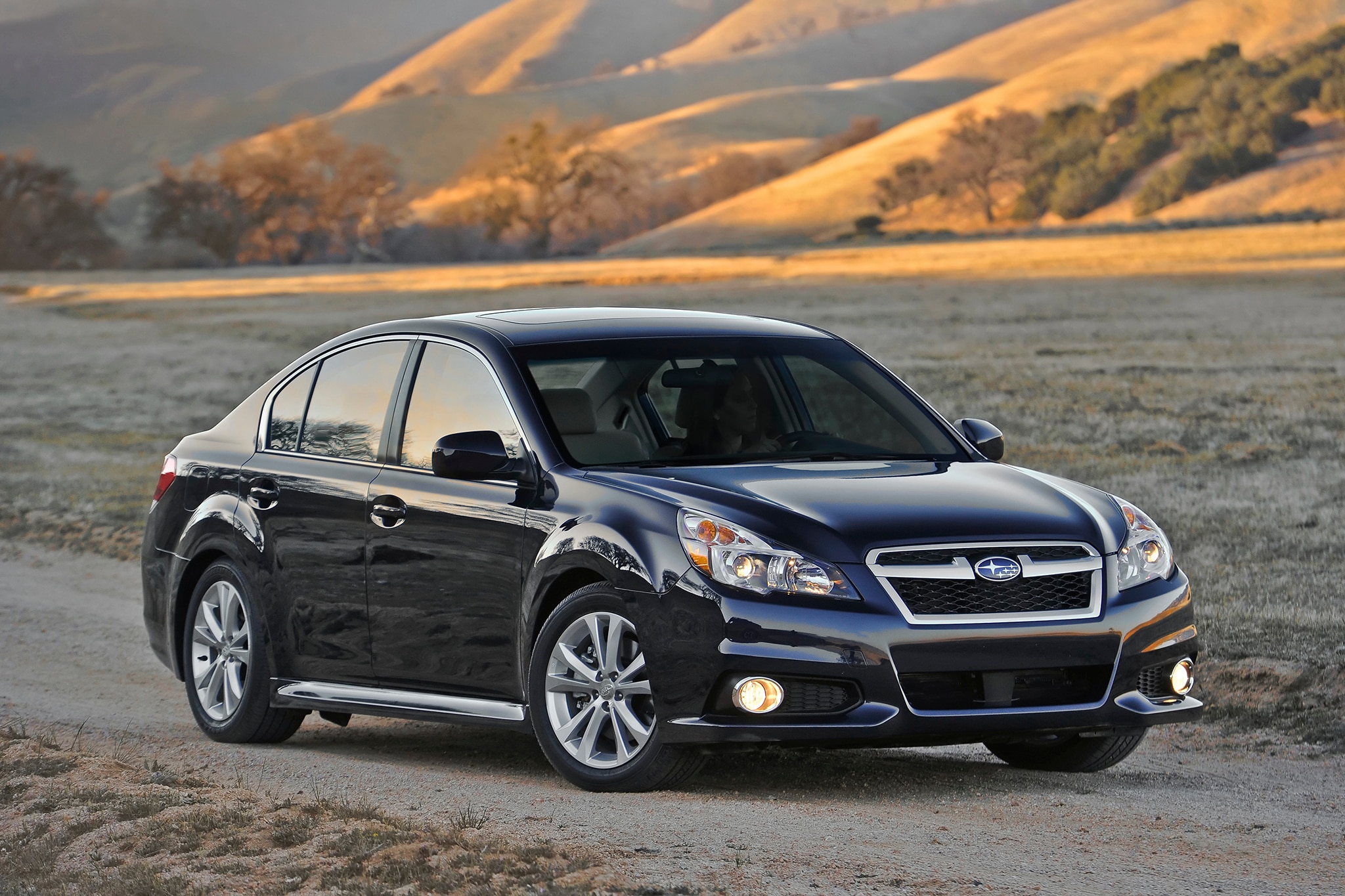 2014 subaru legacy outback undercut competition 39 s prices. Black Bedroom Furniture Sets. Home Design Ideas