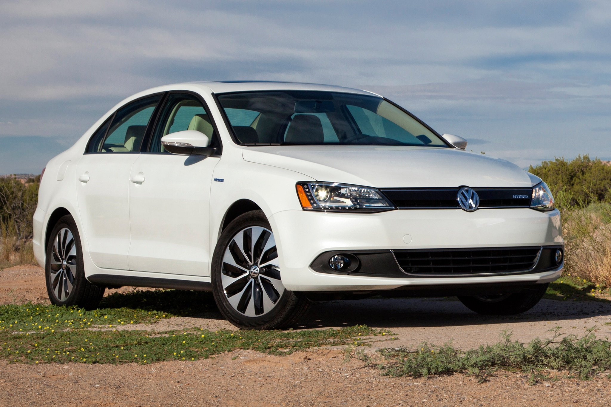 first drive 2013 volkswagen jetta hybrid automobile magazine. Black Bedroom Furniture Sets. Home Design Ideas