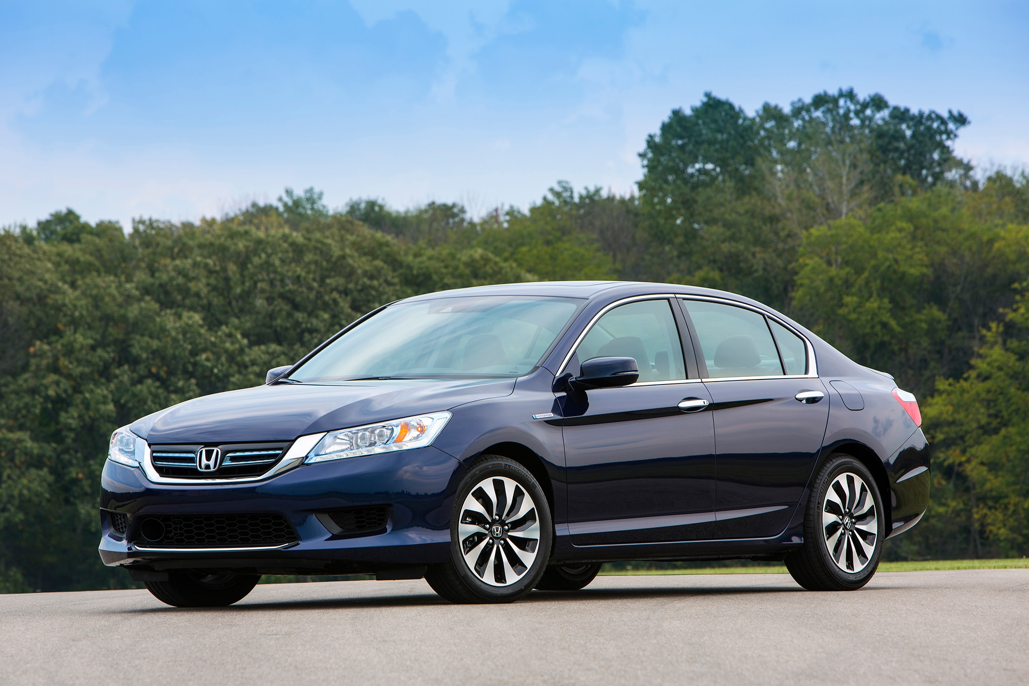 2014 honda accord hybrid first drive automobile magazine. Black Bedroom Furniture Sets. Home Design Ideas