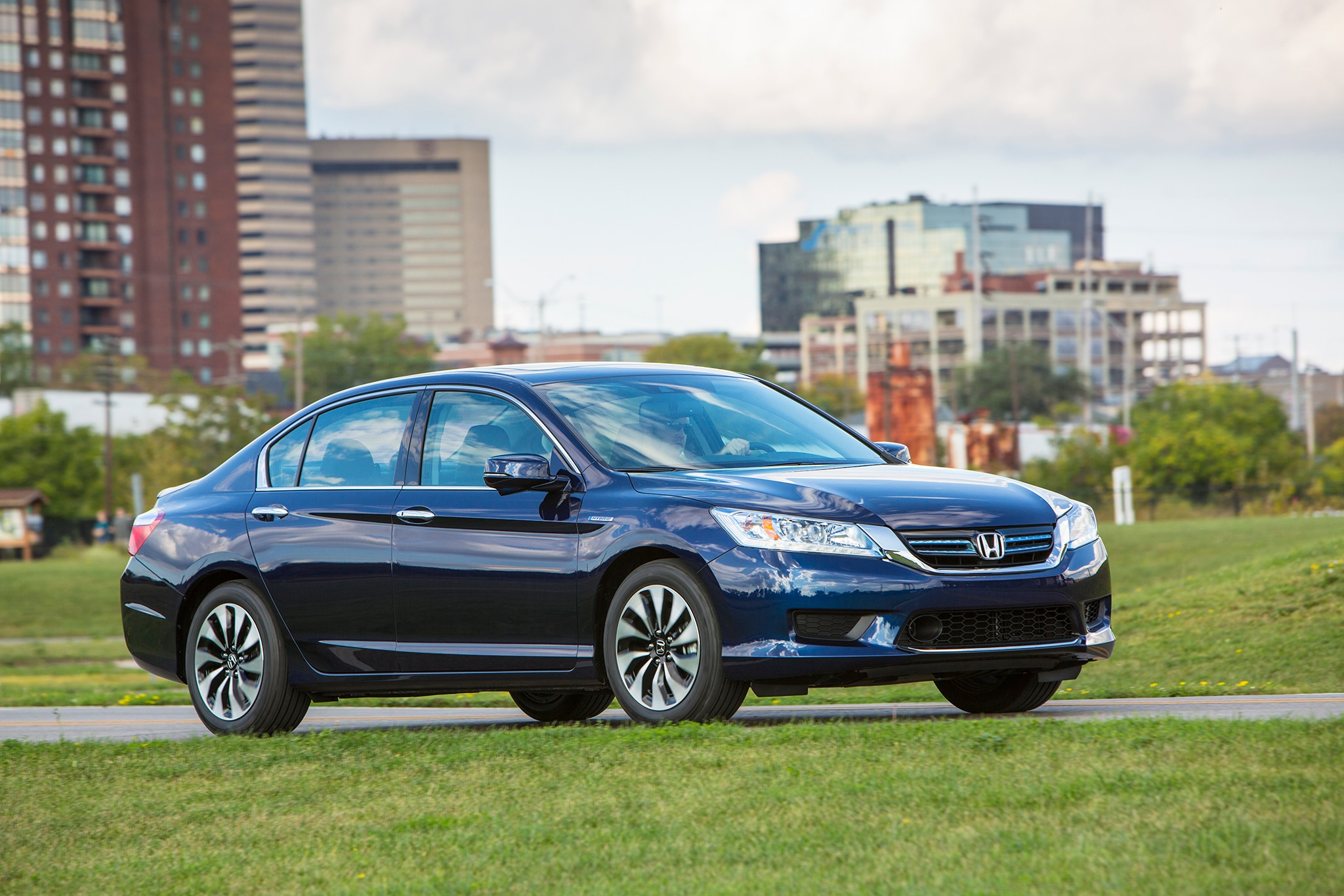 2015 honda accord adds equipment prices increase 150. Black Bedroom Furniture Sets. Home Design Ideas
