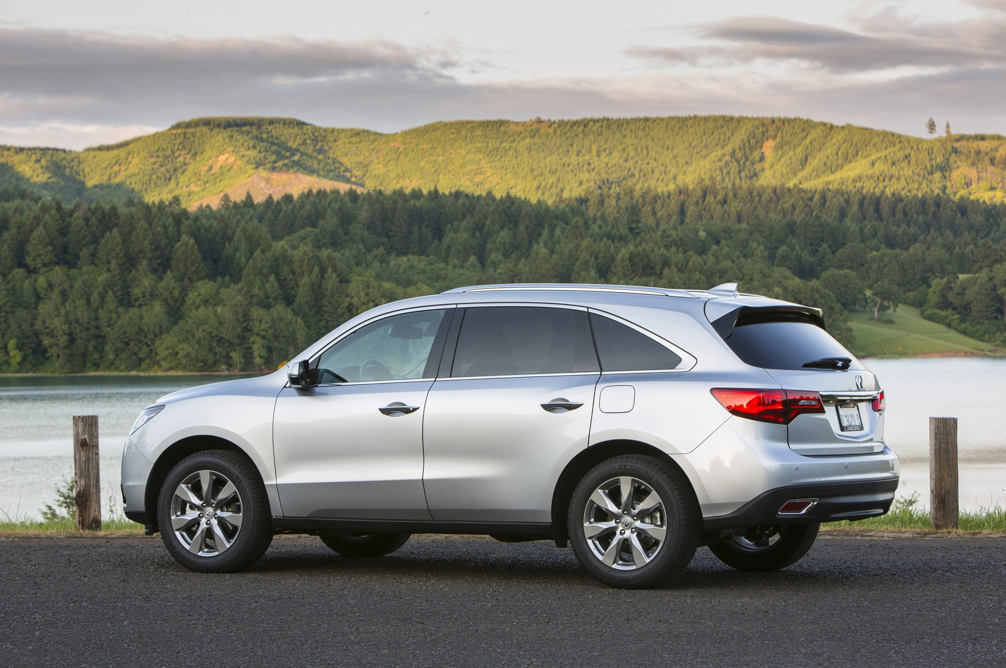 2015 acura mdx priced at 43 460 automobile magazine. Black Bedroom Furniture Sets. Home Design Ideas