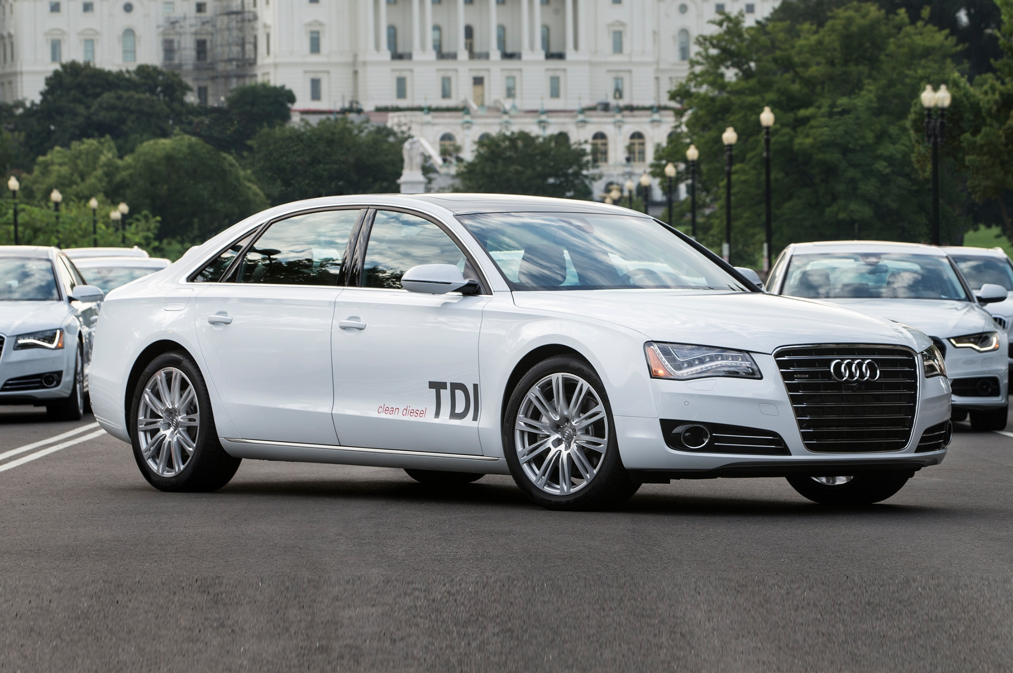 2015 audi a8 debuts this year gain led matrix headlights. Black Bedroom Furniture Sets. Home Design Ideas