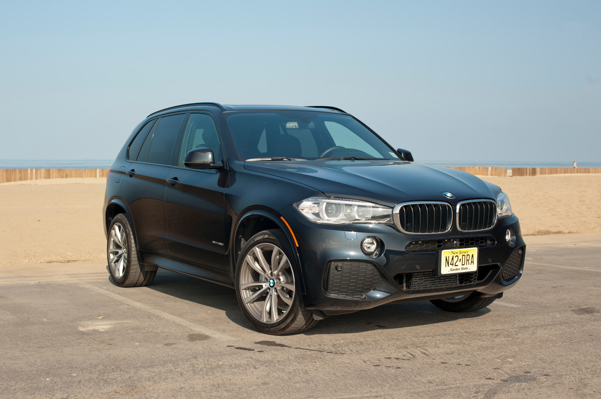 2014 bmw x5m pics specs. Black Bedroom Furniture Sets. Home Design Ideas