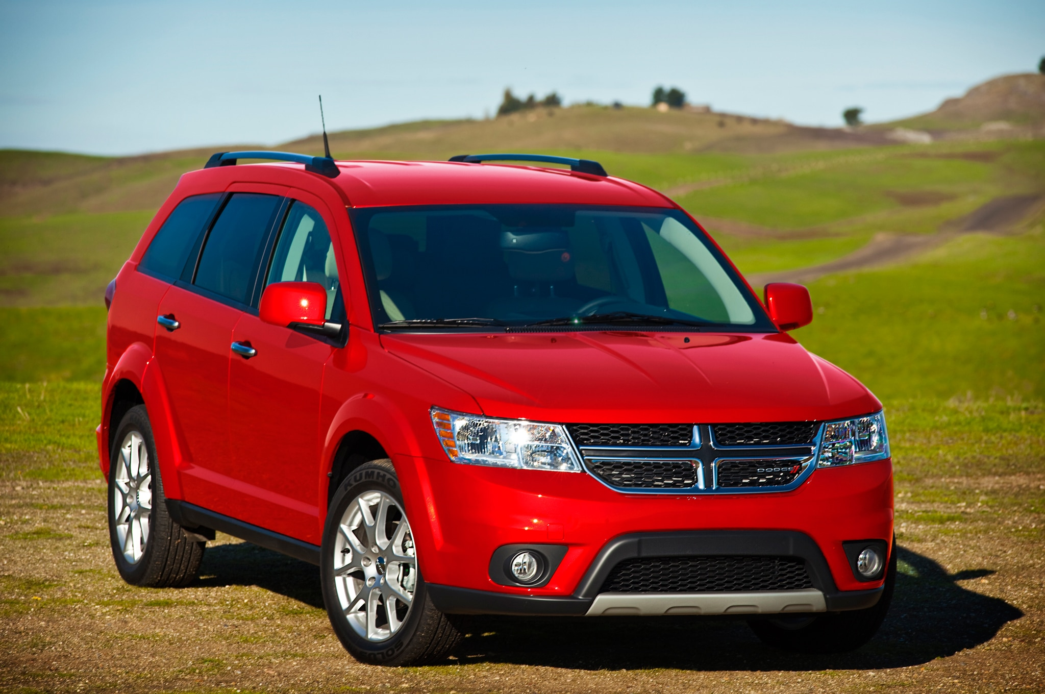 2014 Dodge Journey front three quarters 2014 dodge journey se v 6 awd priced at $25,890 automobile magazine 2016 dodge journey fuse box location at gsmportal.co