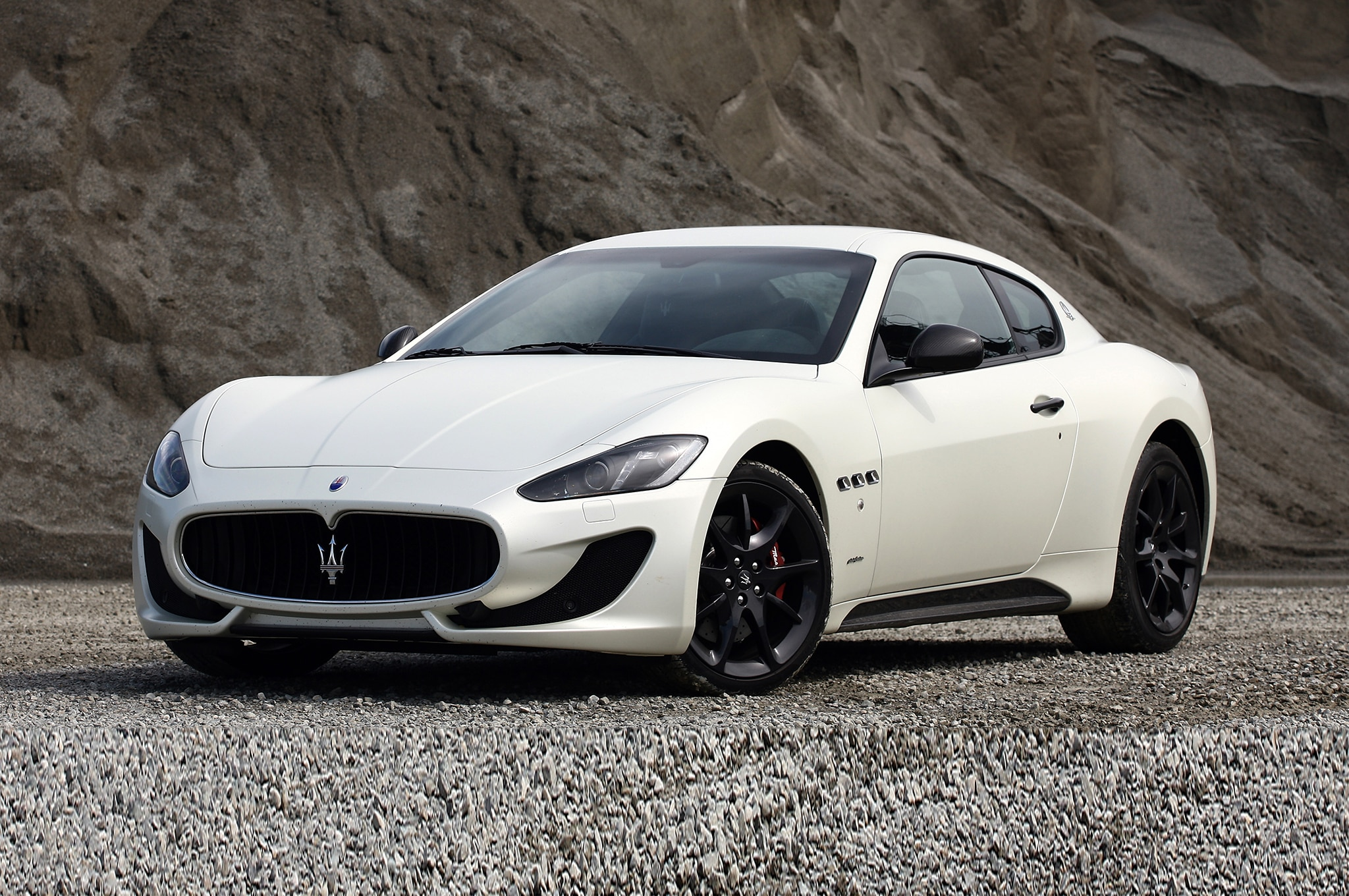 2014 maserati granturismo grancabrio mc gain centennial editions. Black Bedroom Furniture Sets. Home Design Ideas