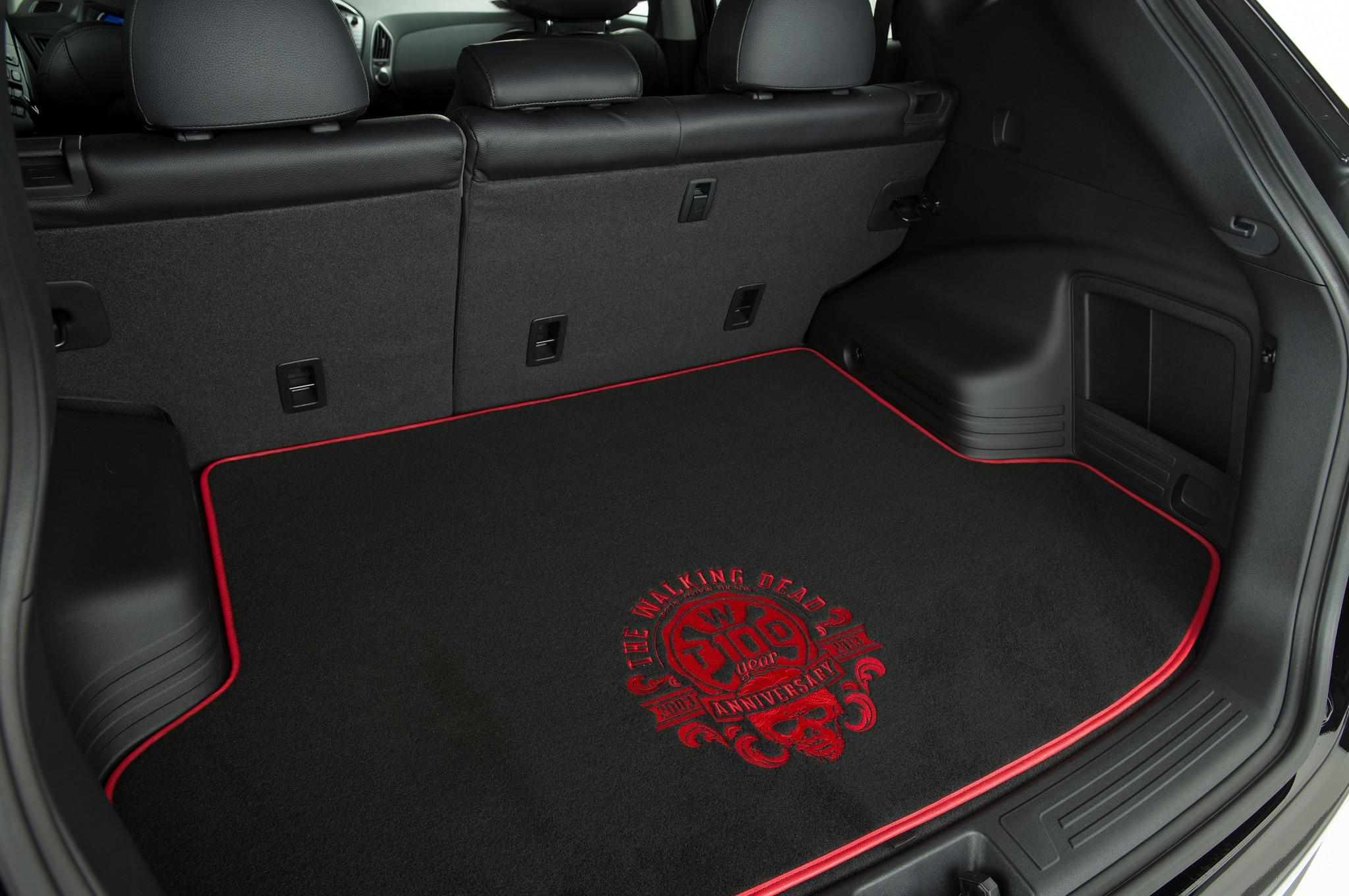 2014 hyundai tucson walking dead special edition interior cargo area floormat