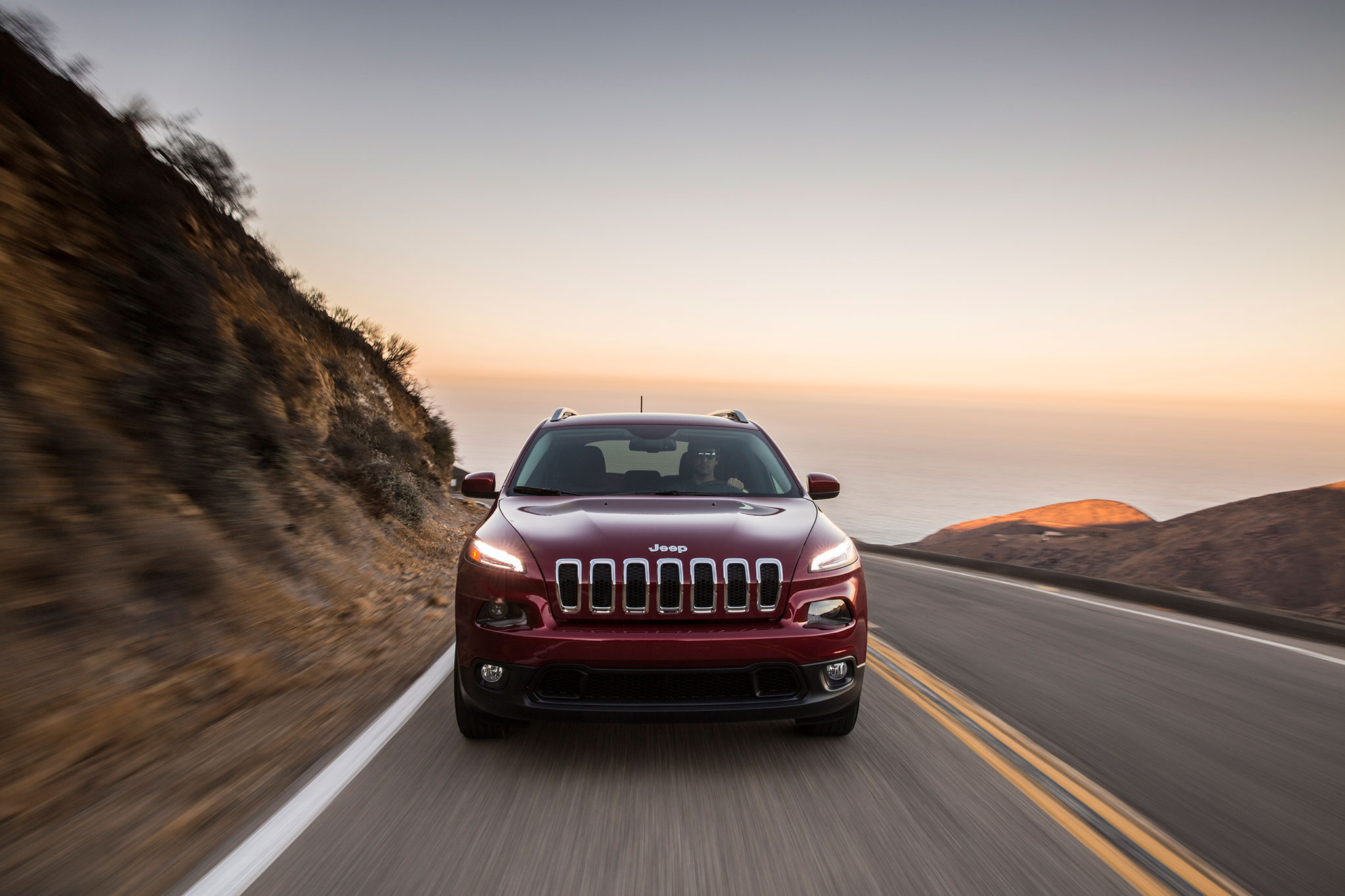 2014 jeep cherokee around the block automobile magazine. Black Bedroom Furniture Sets. Home Design Ideas