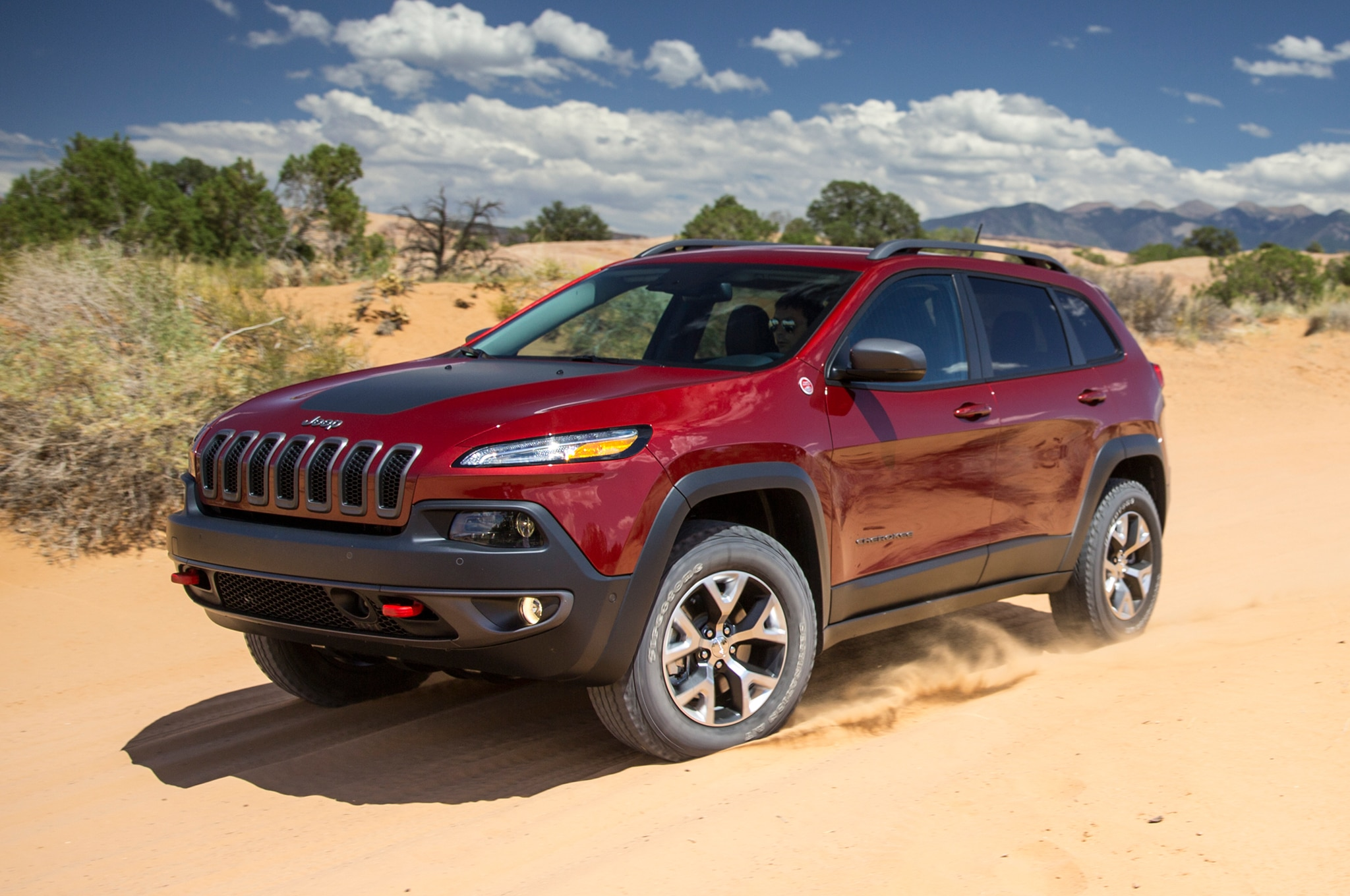 Jeep Cherokee Trailhawk Front View In Motion