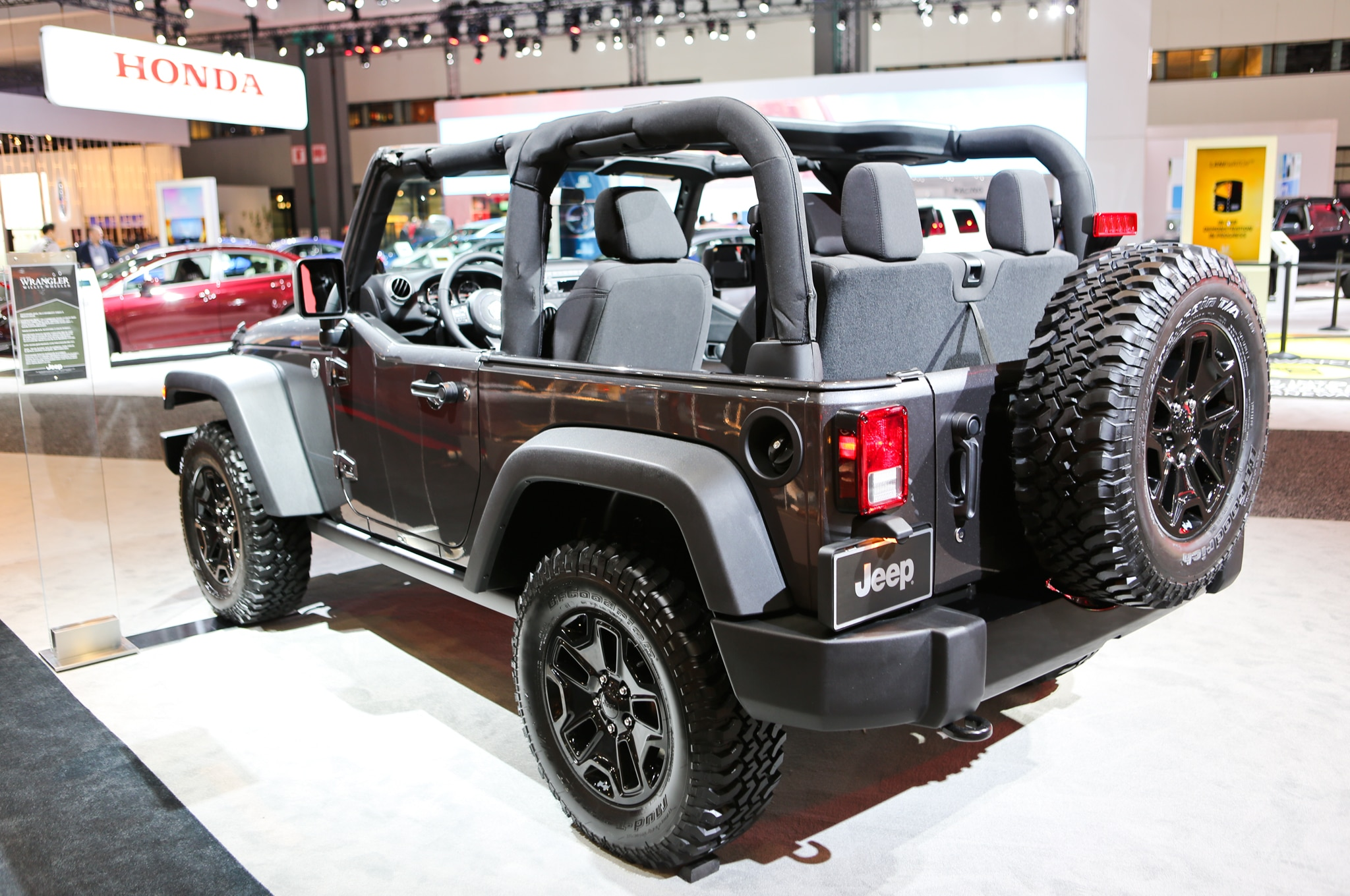 2014 jeep wrangler willys wheeler edition revealed. Black Bedroom Furniture Sets. Home Design Ideas