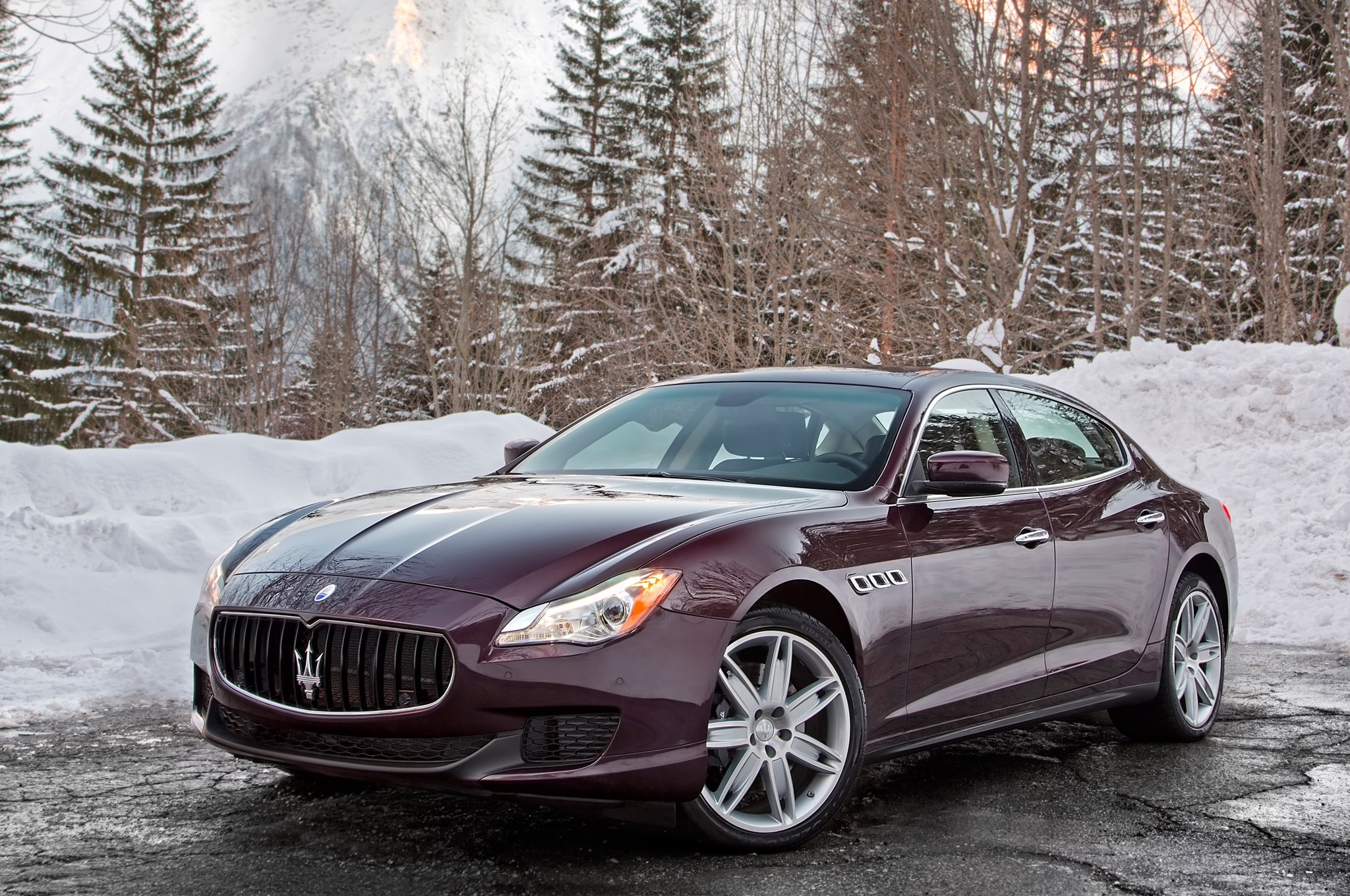2014 maserati quattroporte s q4 around the block automobile. Black Bedroom Furniture Sets. Home Design Ideas