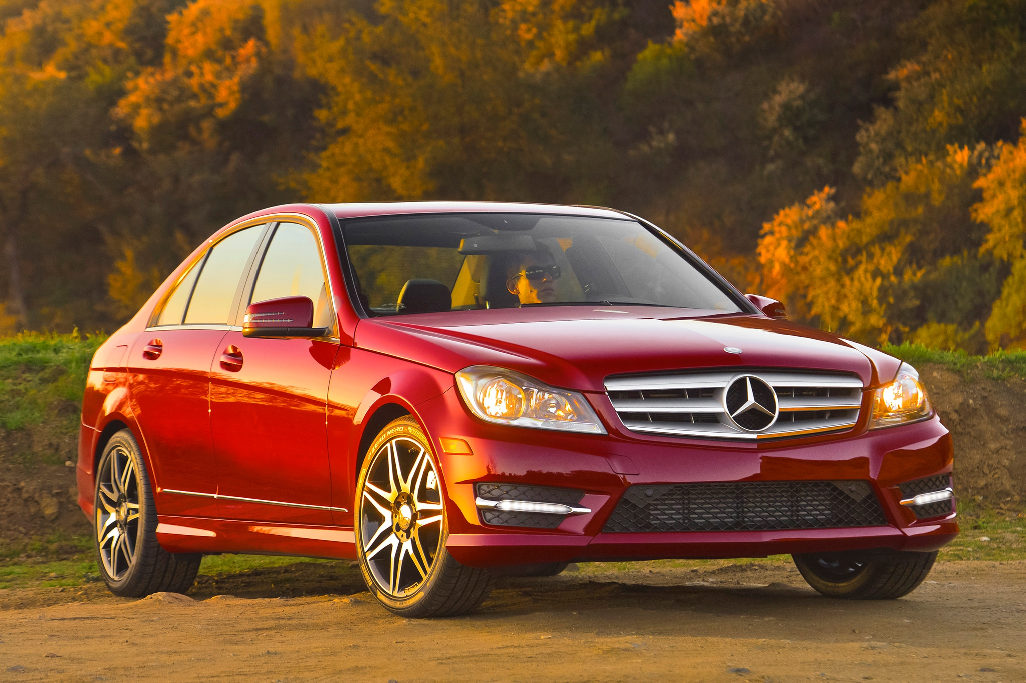 2013 14 mercedes benz c300 4matic fuel economy revised by epa for Mercedes benz c300 4matic 2015
