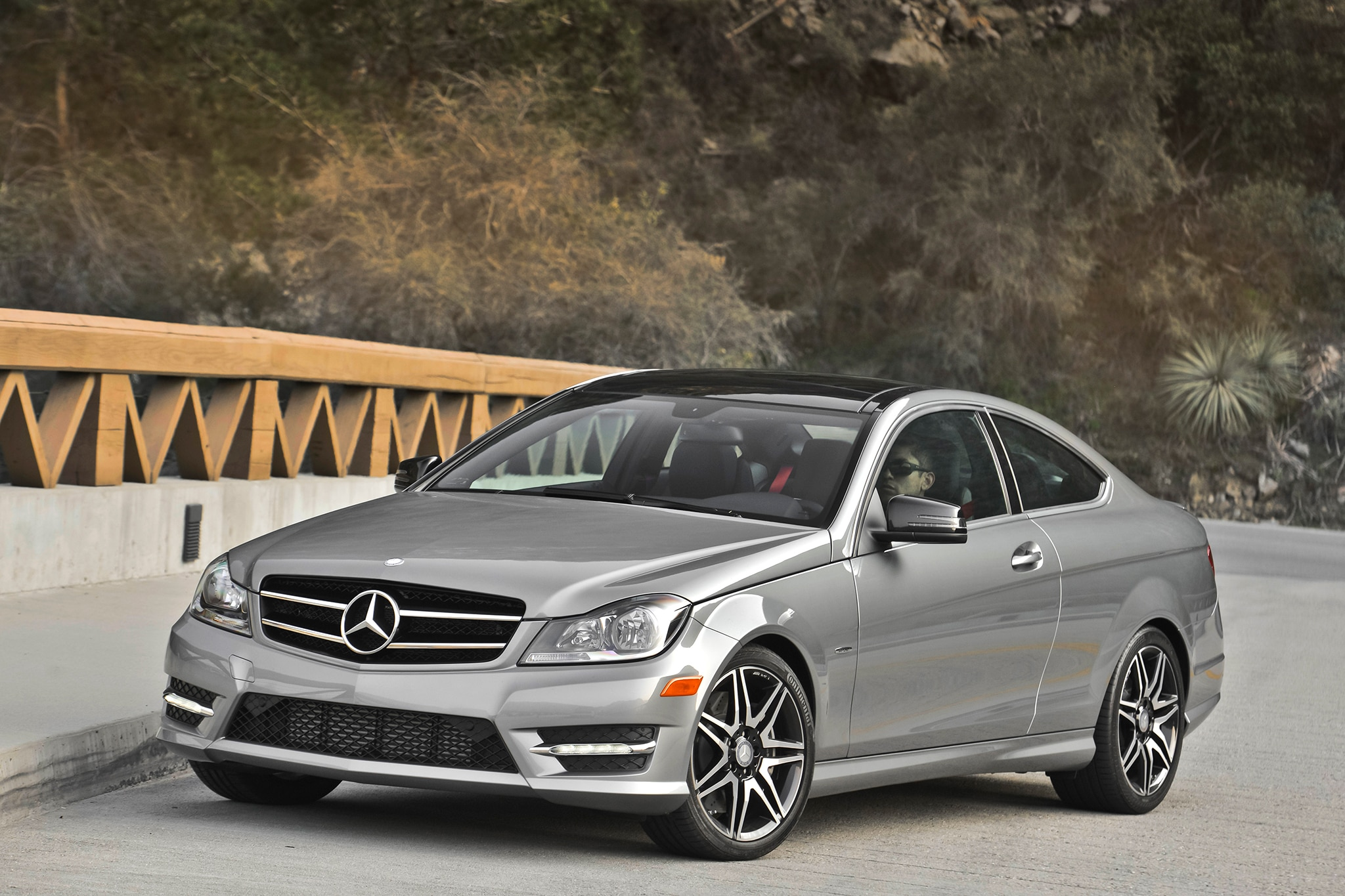 2013 14 mercedes benz c300 4matic fuel economy revised by epa for Mercedes benz c250 sedan