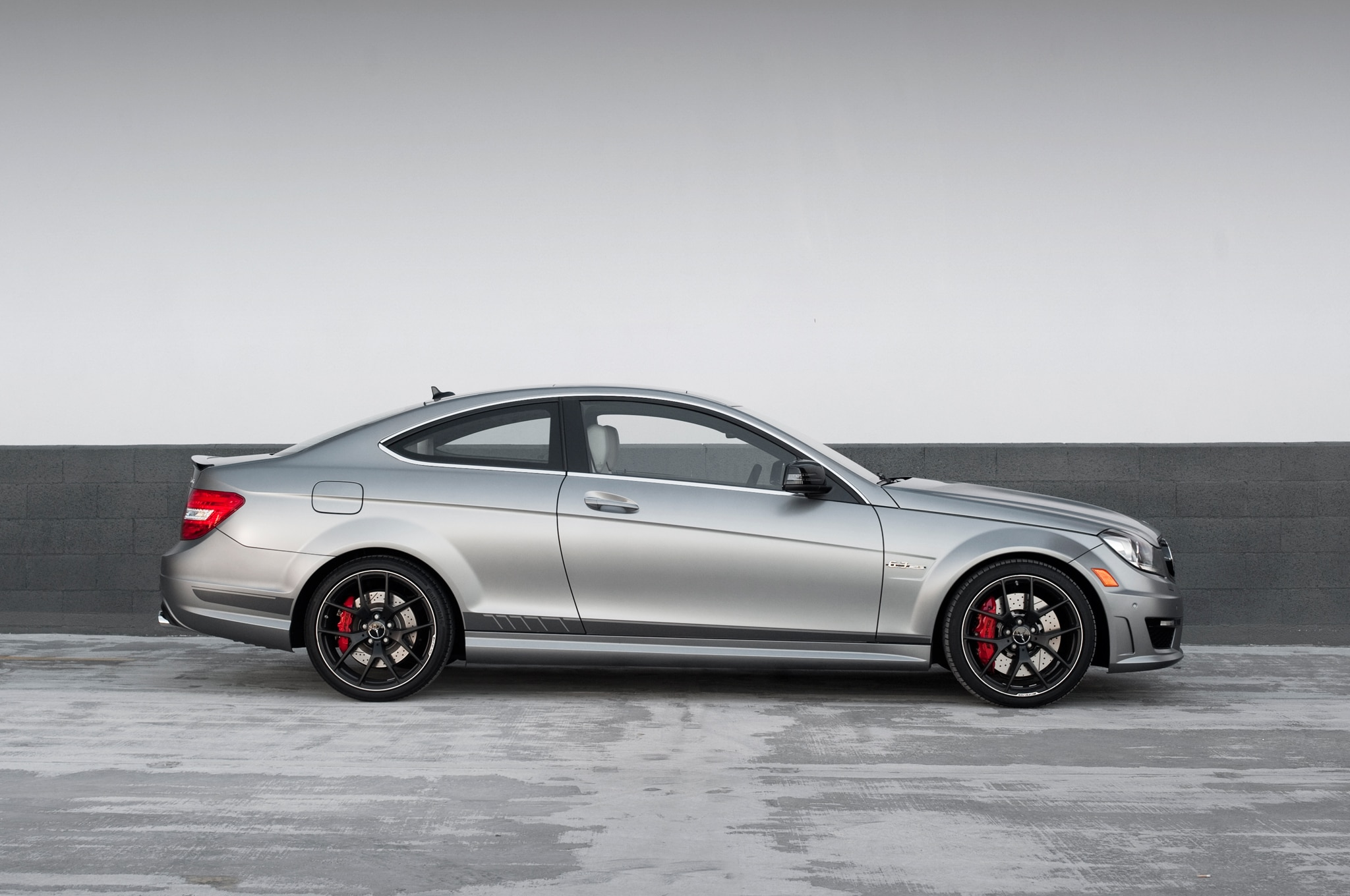 Audi rs5 mercedes benz c63 507 on head 2 head for Mercedes benz c63 amg 507 edition 2015