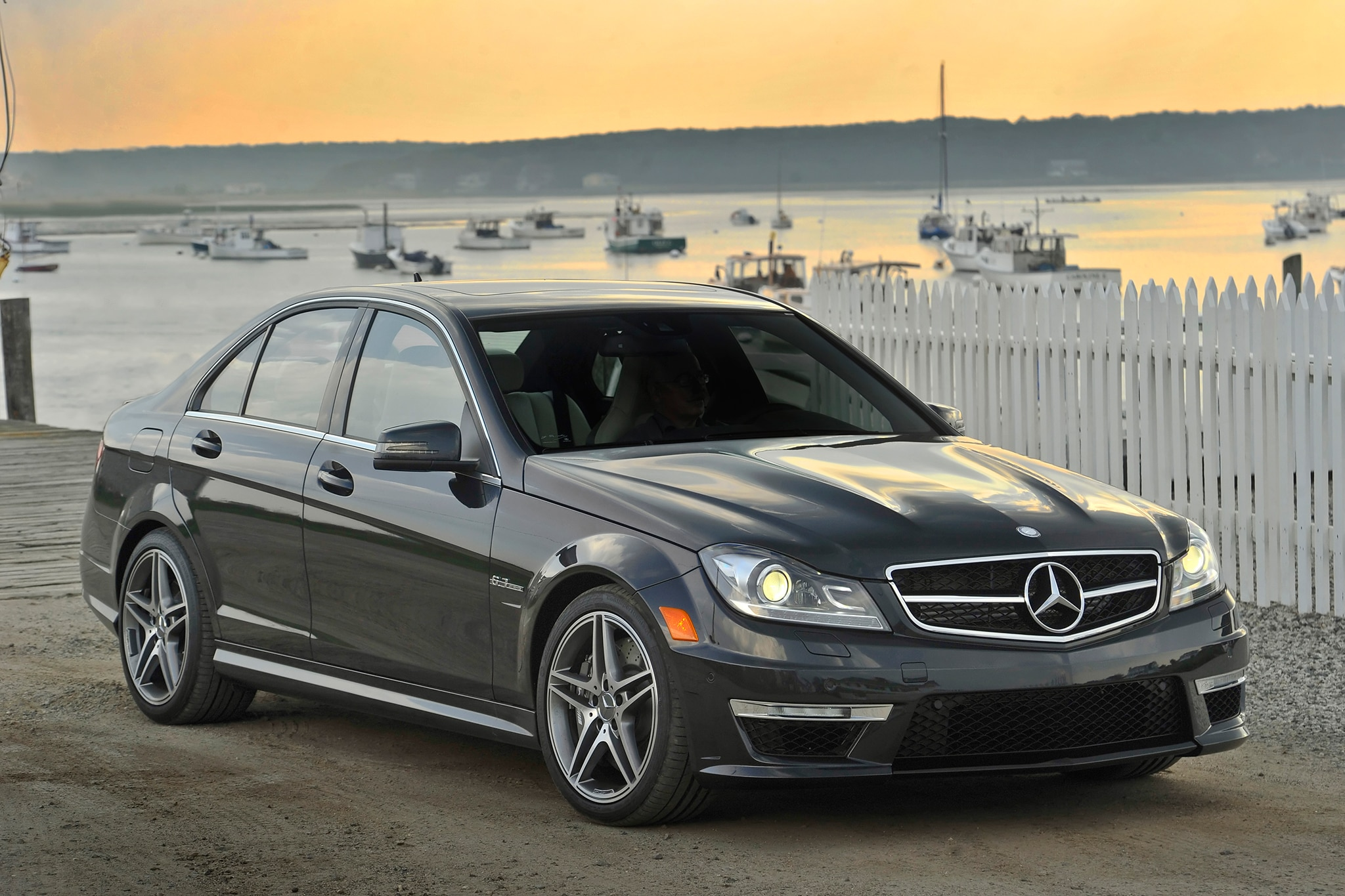 2013 14 mercedes benz c300 4matic fuel economy revised by epa for Mercedes benz 300 amg