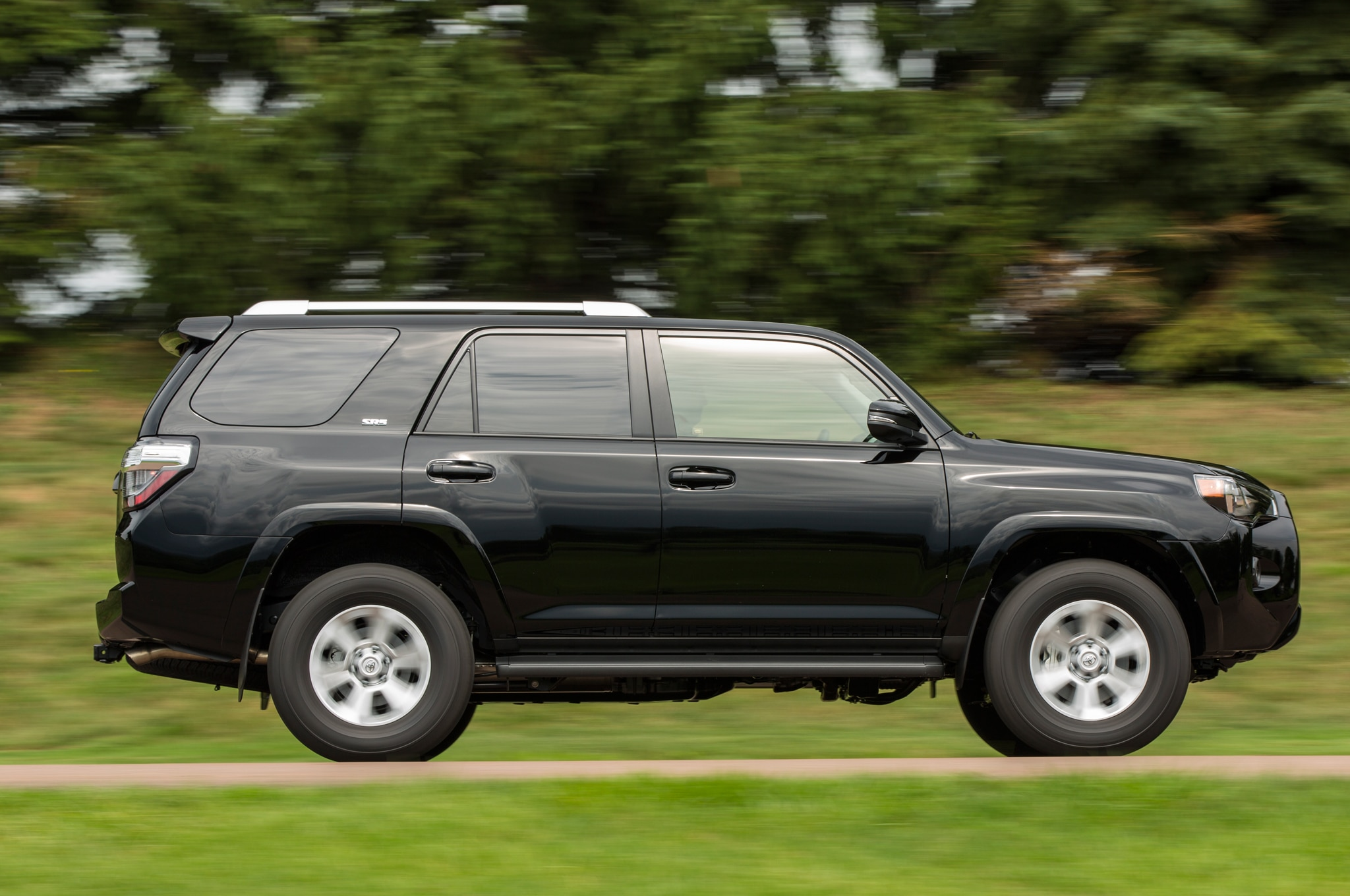 2014 toyota 4runner discounted in celebration of 30th anniversary automobile magazine. Black Bedroom Furniture Sets. Home Design Ideas