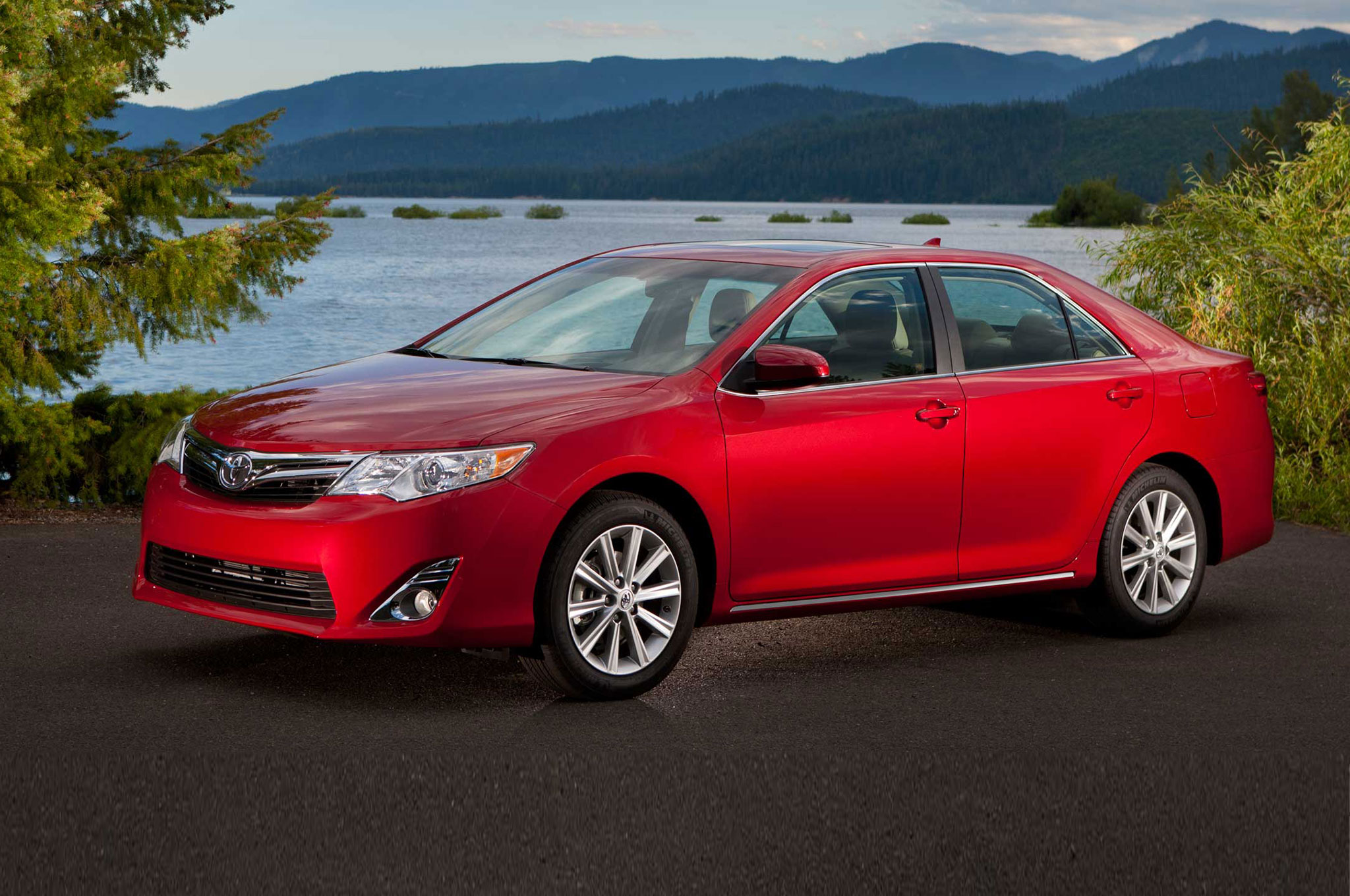2014.5 Toyota Camry and 2014 Toyota Rav4 Receive Tech Upgrades ...