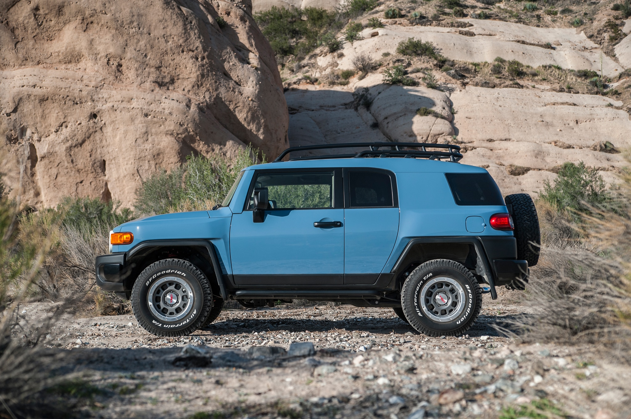 2014 toyota fj cruiser ultimate edition says goodbye. Black Bedroom Furniture Sets. Home Design Ideas
