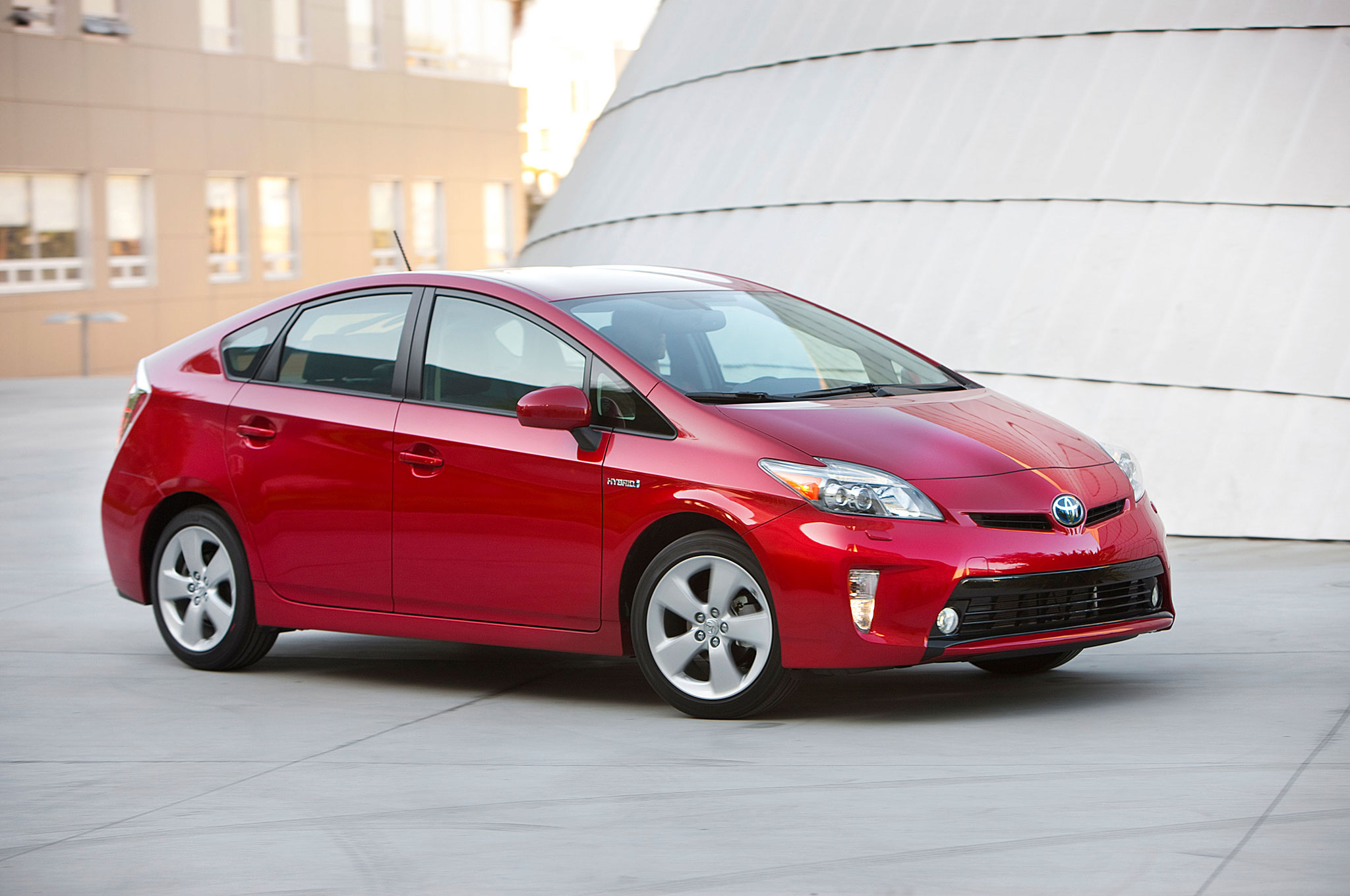 toyota hybrid sales hit 6 million prius sales top 3 2. Black Bedroom Furniture Sets. Home Design Ideas