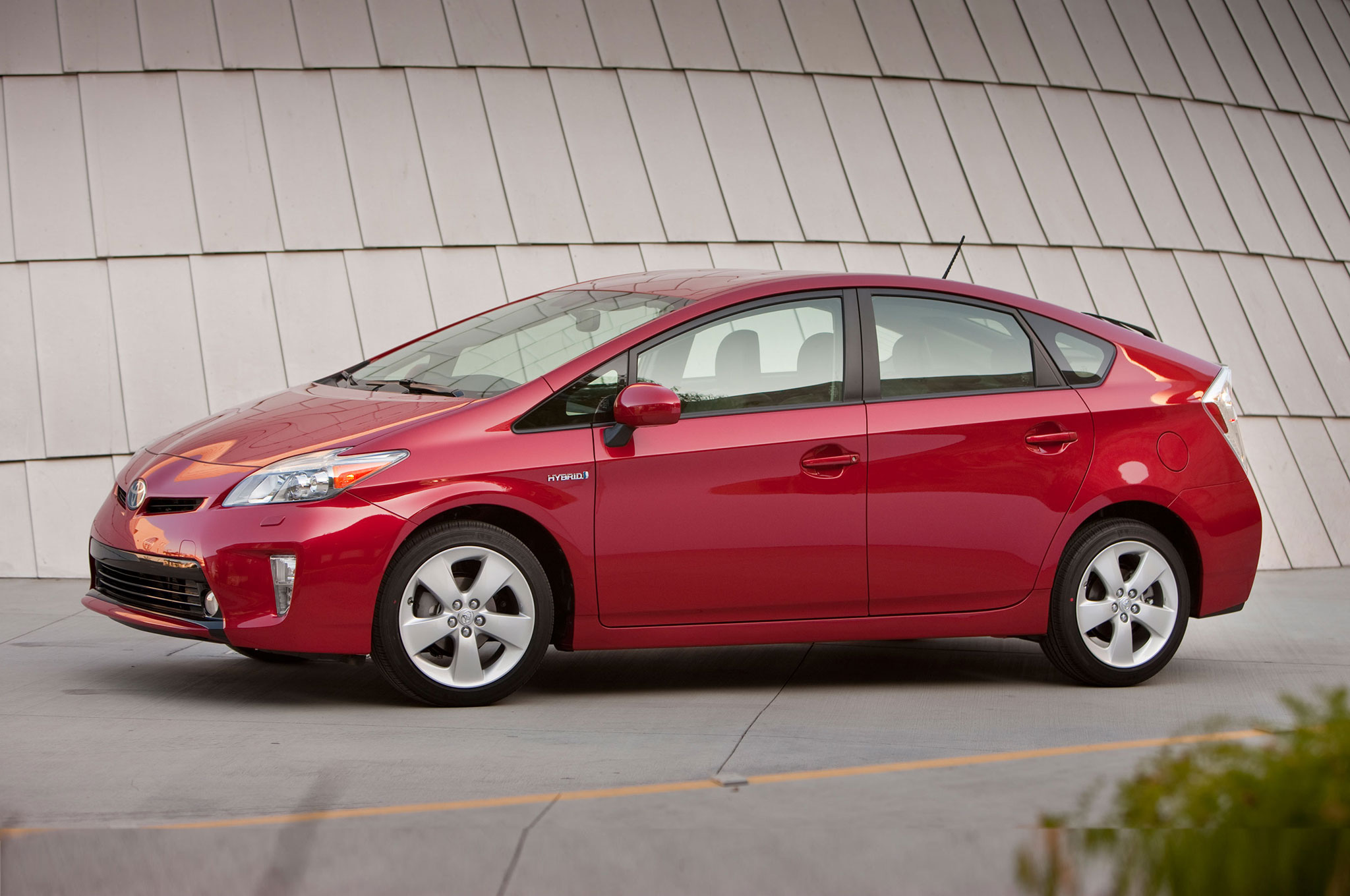 report 2016 toyota prius delayed 6 months to december 2015. Black Bedroom Furniture Sets. Home Design Ideas