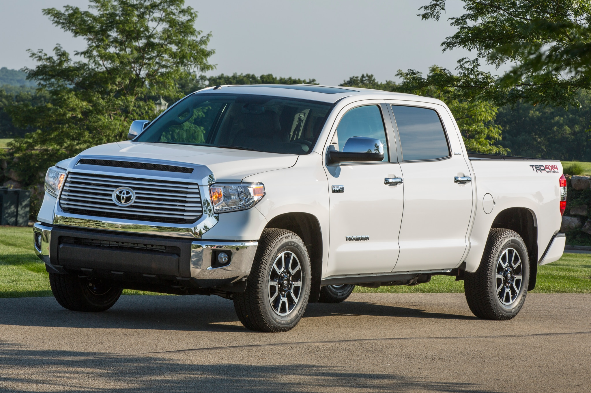 toyota trd pro series introduced for tundra tacoma. Black Bedroom Furniture Sets. Home Design Ideas