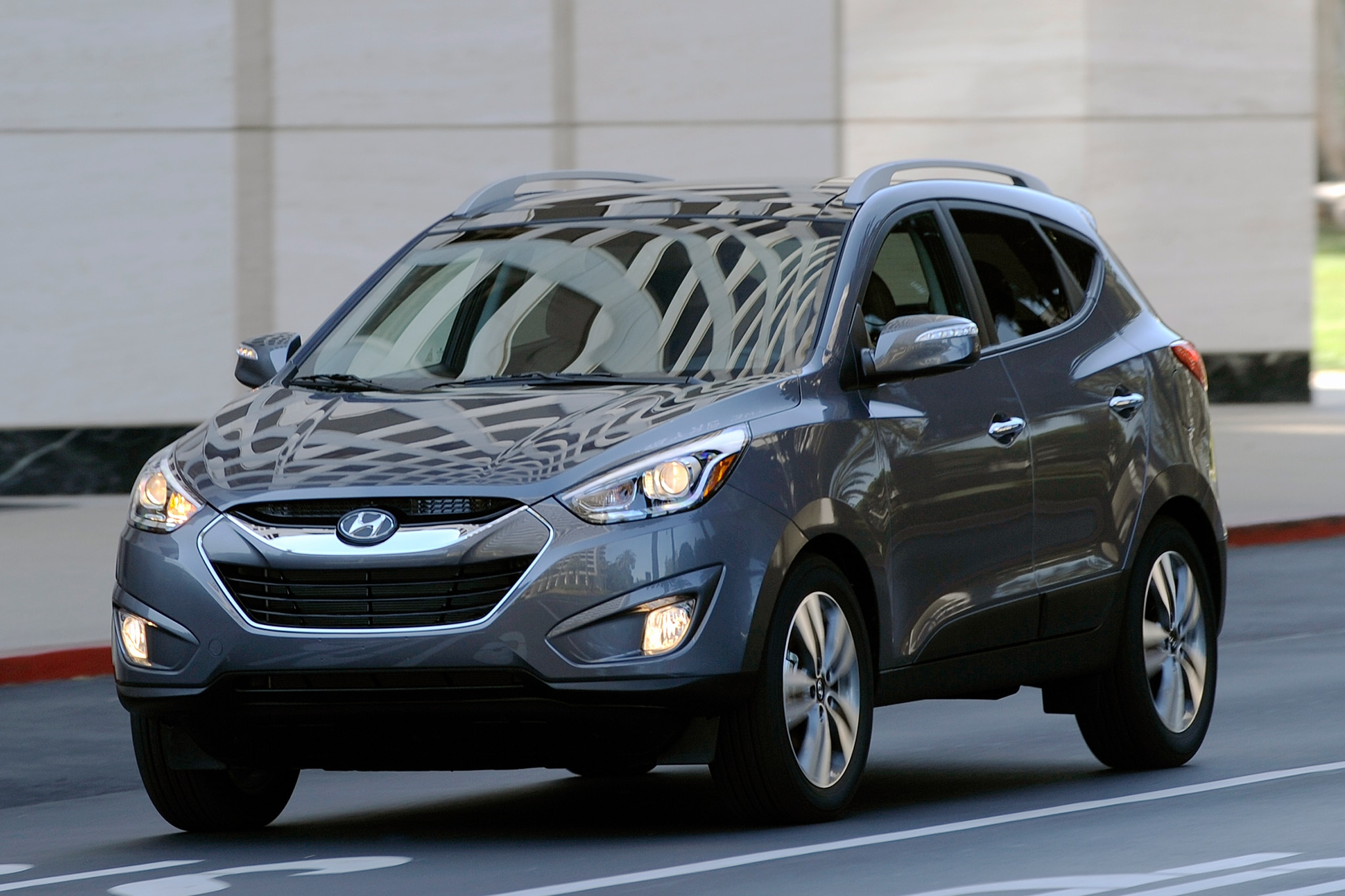 2014 hyundai tucson fuel cell debuts at 2013 los angeles auto show automobile magazine. Black Bedroom Furniture Sets. Home Design Ideas