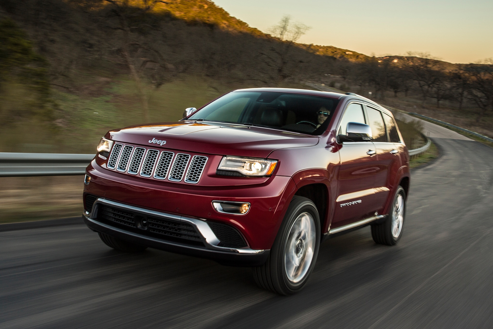 detroit 2013 big fuel economy comfort gains in store for 2014 jeep grand cherokee. Black Bedroom Furniture Sets. Home Design Ideas