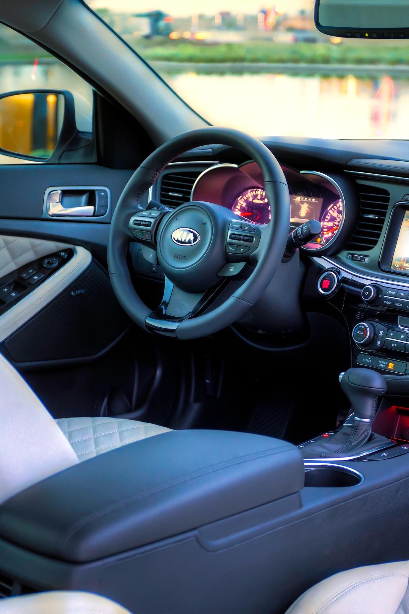sorento sx 2014 car and driver review autos post. Black Bedroom Furniture Sets. Home Design Ideas