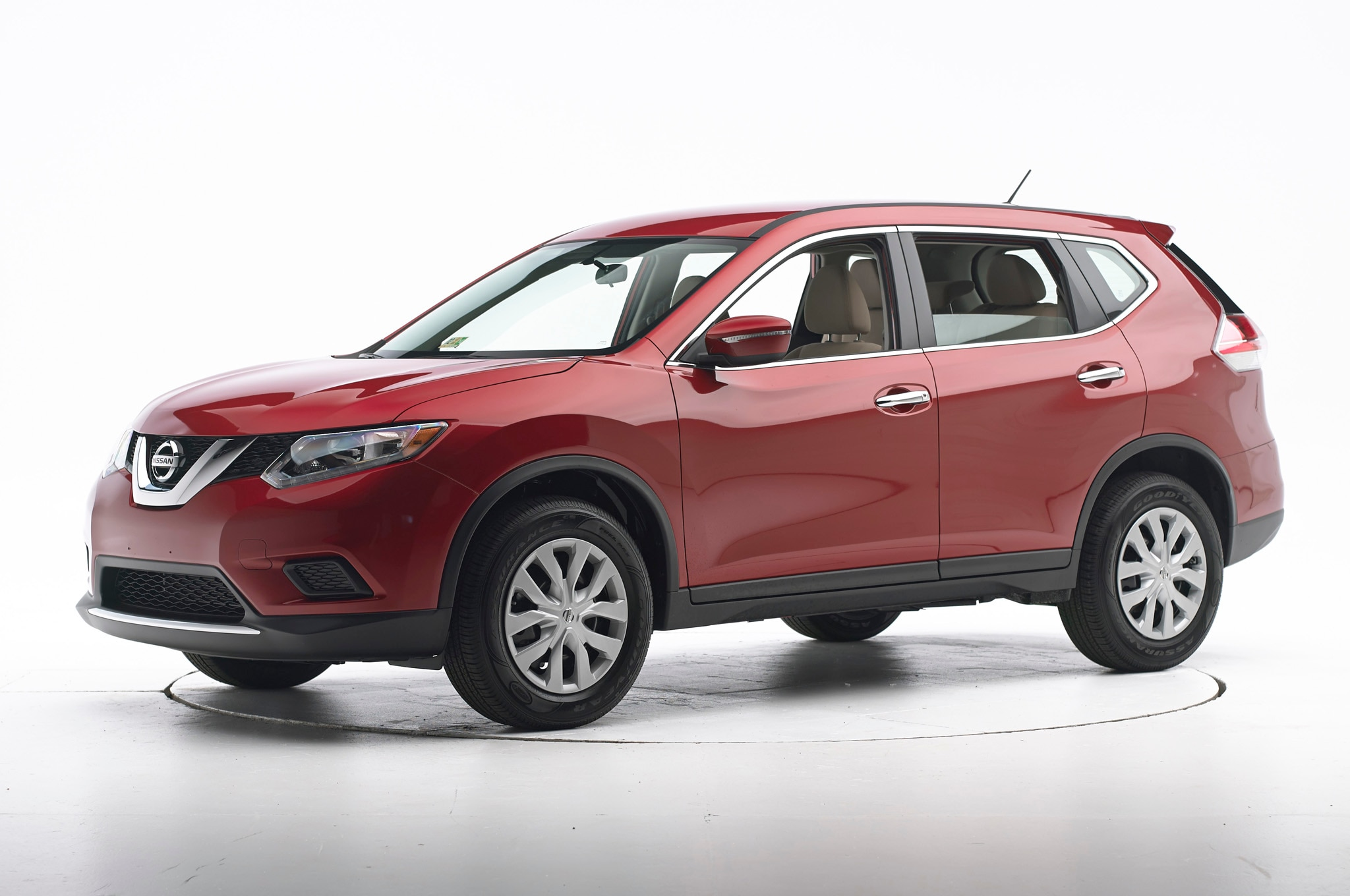 2014 nissan rogue rated top safety pick automobile magazine 2014 nissan rogue iihs top safety pick vanachro Choice Image