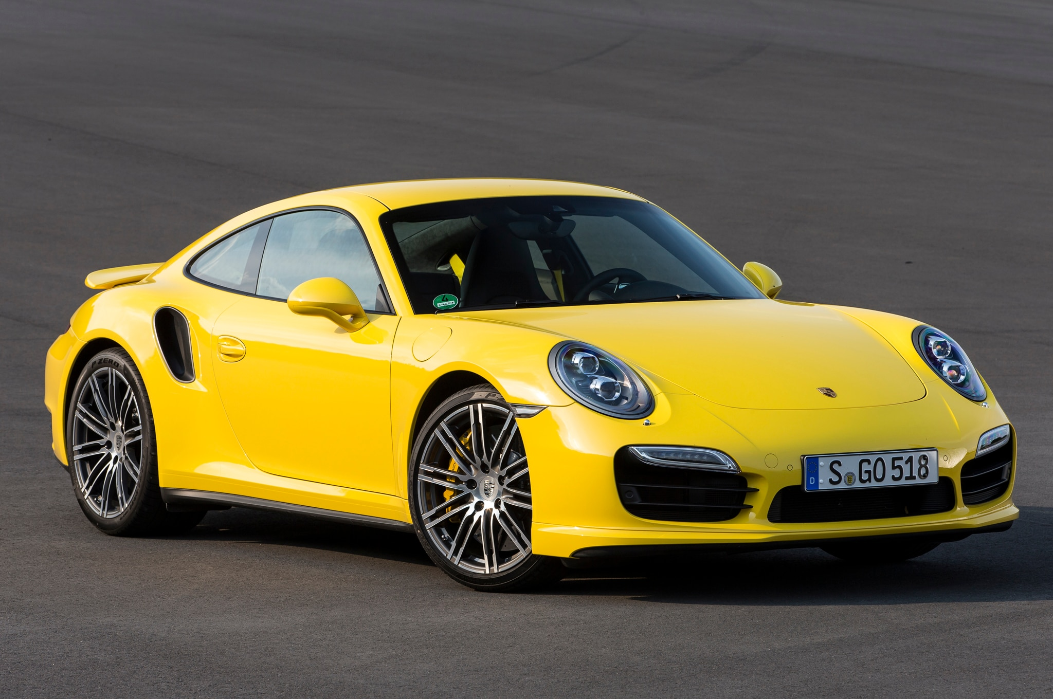 2014 porsche 911 turbo front three quarters