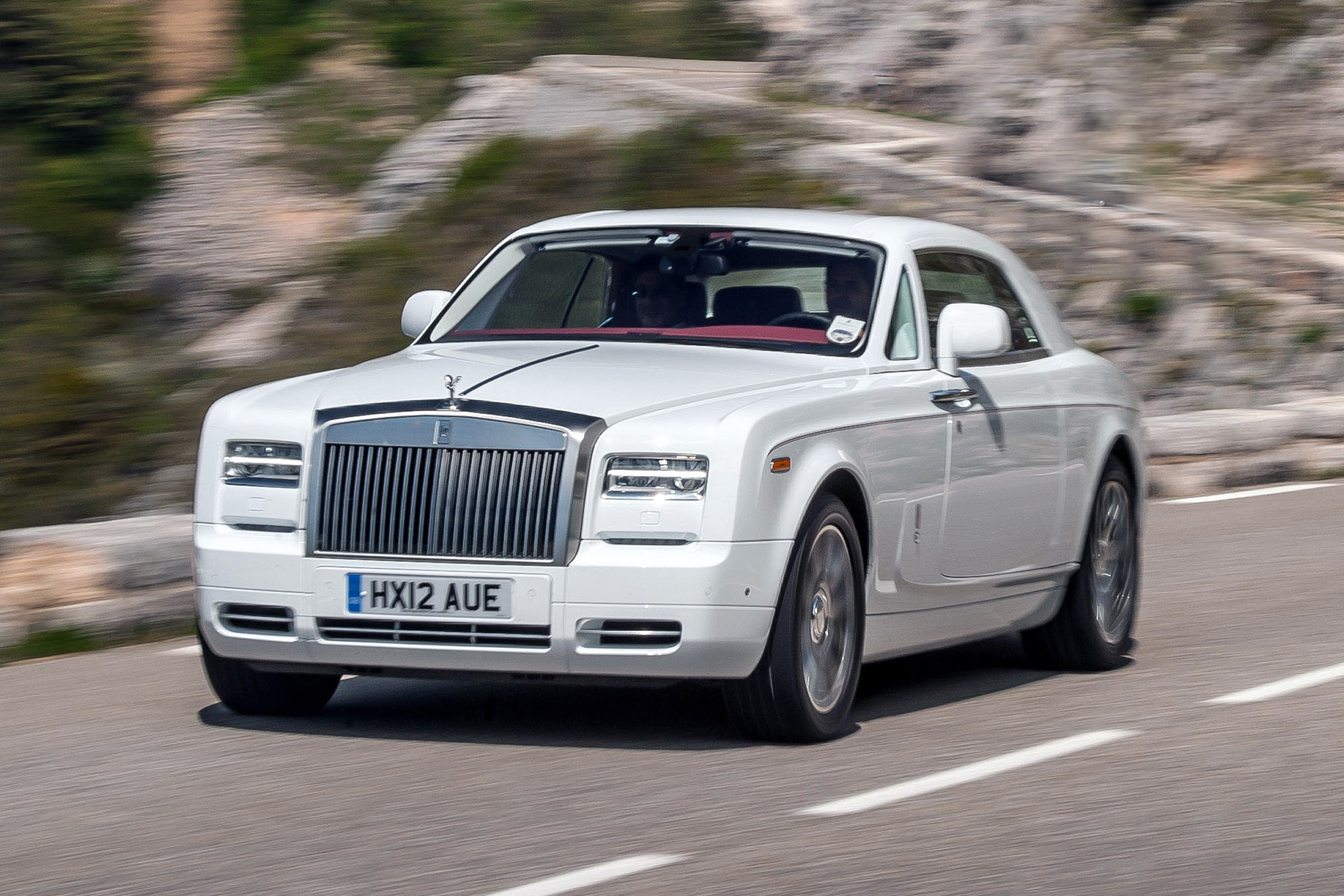 rolls royce phantom metropolitan debuts at paris auto show. Black Bedroom Furniture Sets. Home Design Ideas