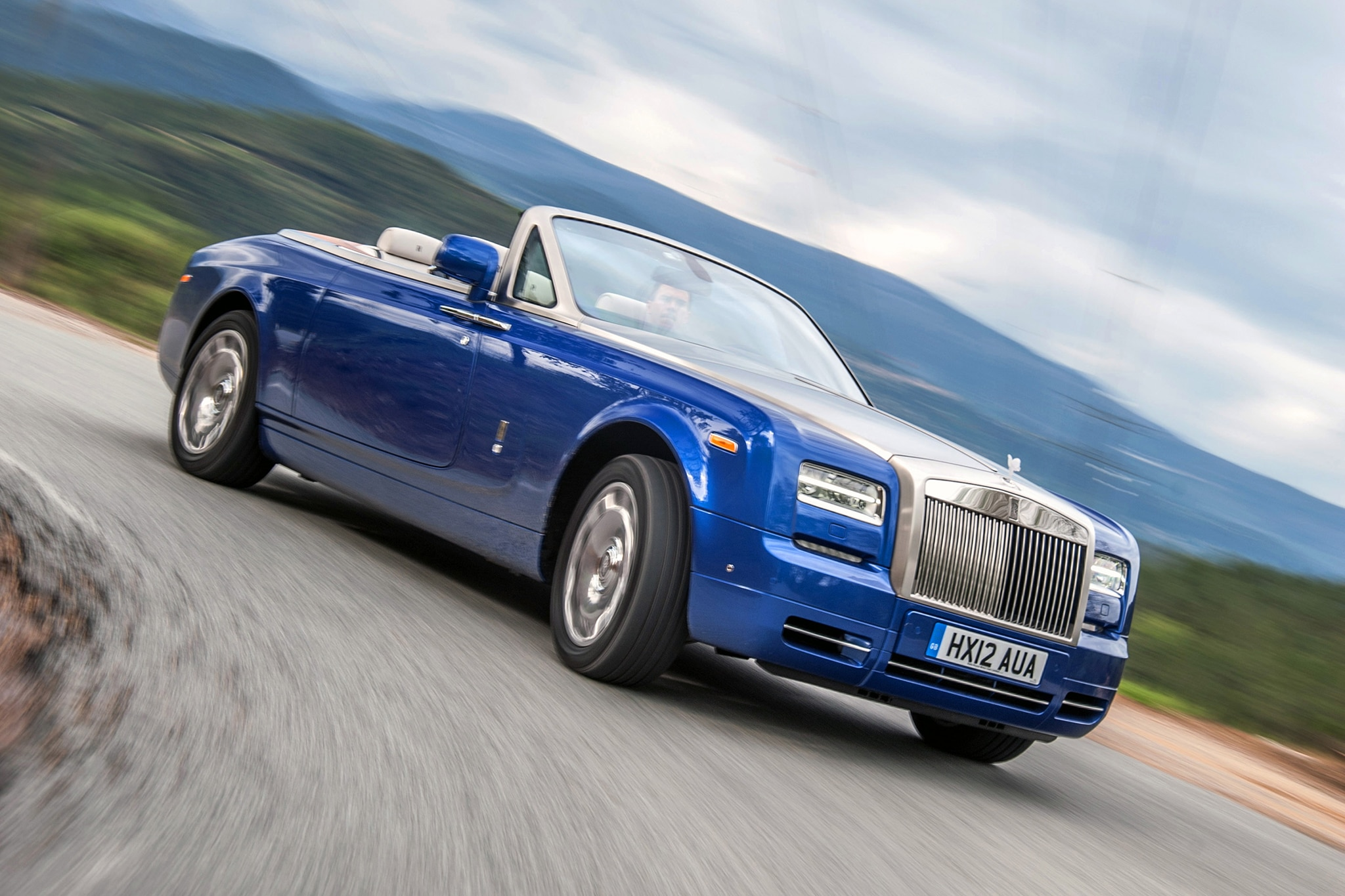 rolls royce phantom drophead coupe waterspeed collection debuts. Black Bedroom Furniture Sets. Home Design Ideas