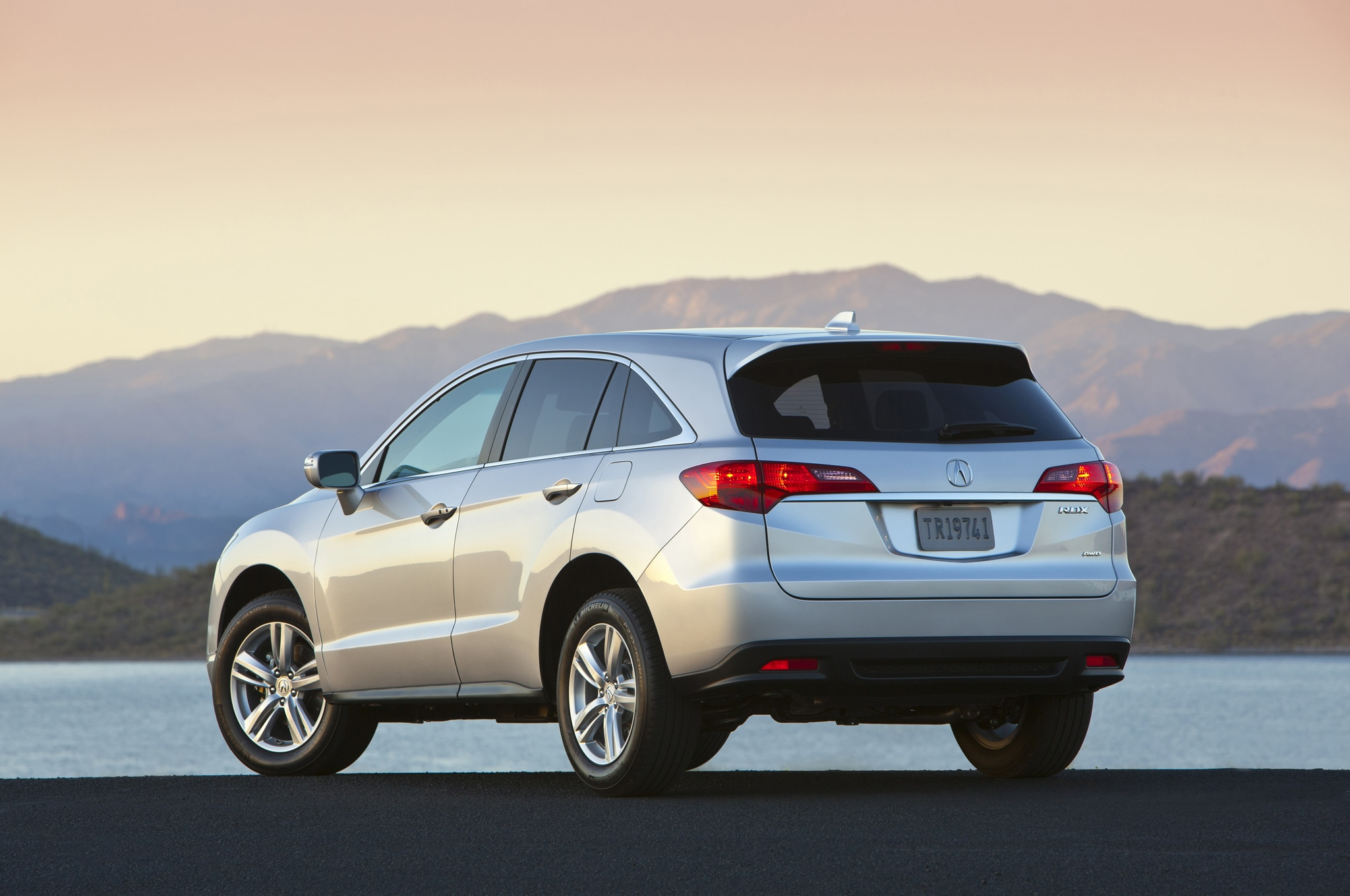 2015 acura rdx priced from 35 790 automobile magazine. Black Bedroom Furniture Sets. Home Design Ideas