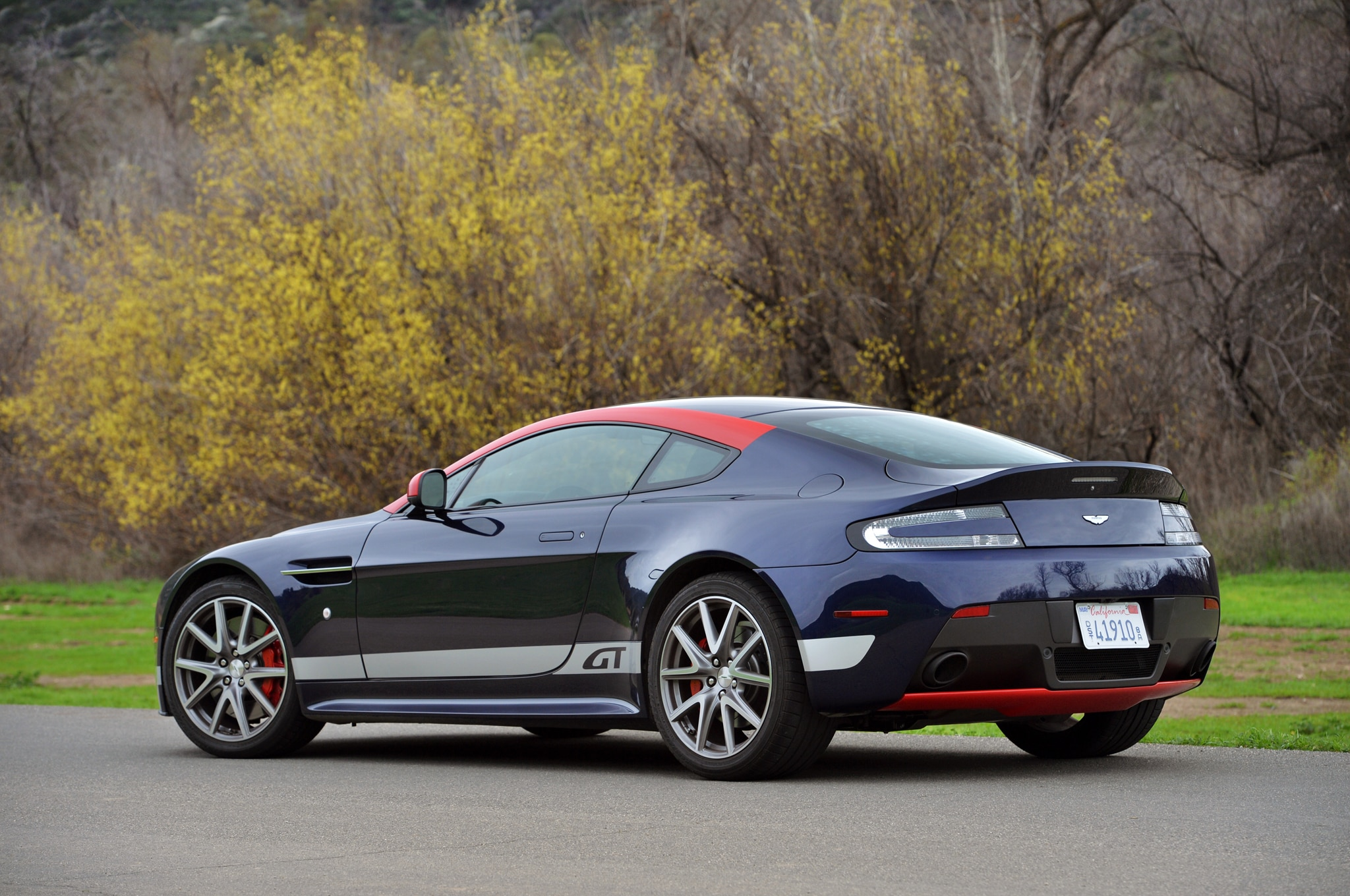 2015 aston martin v8 vantage gt review automobile magazine. Black Bedroom Furniture Sets. Home Design Ideas