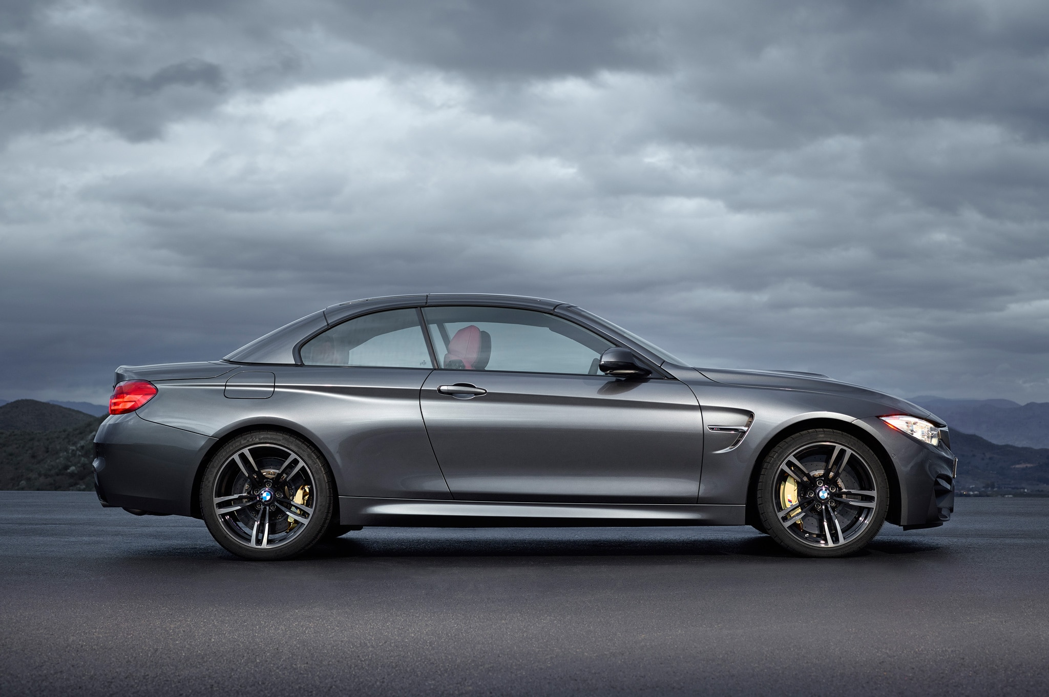 report bmw m2 coming in 2015 with 369 hp. Black Bedroom Furniture Sets. Home Design Ideas