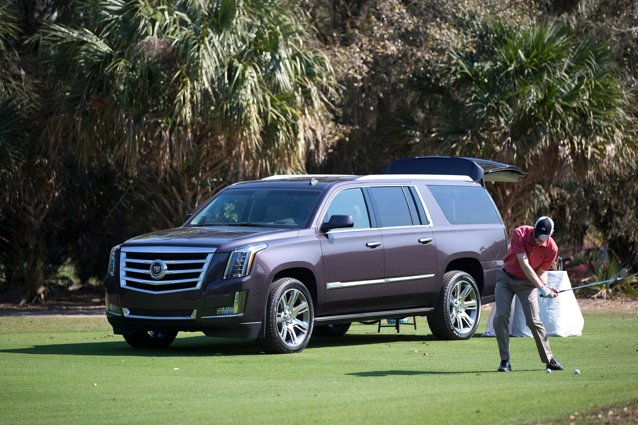 2015 cadillac escalade vs 2015 lincoln navigator comparison. Cars Review. Best American Auto & Cars Review