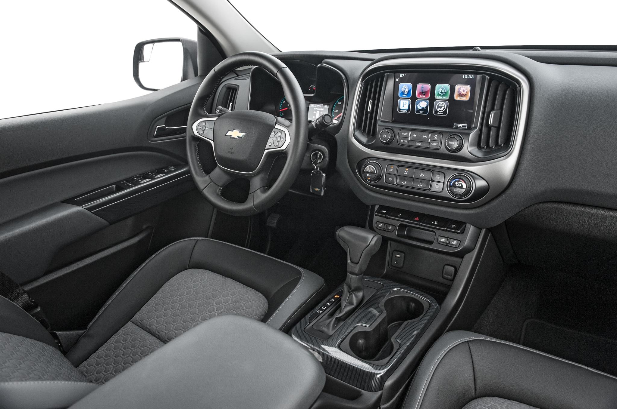 Chevrolet debuts off road ready colorado z71 trail boss for Chevy colorado interior lights
