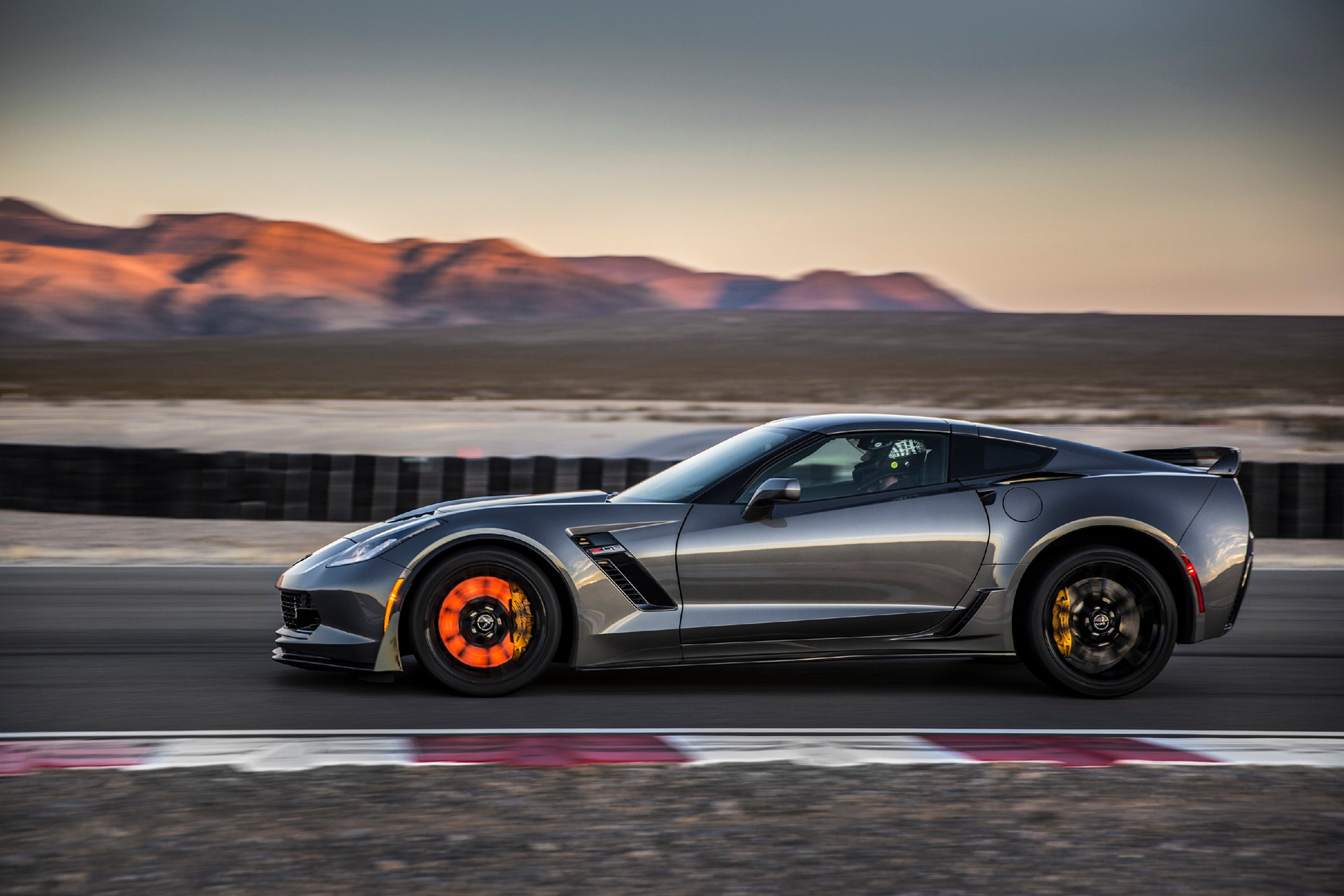 2015-Chevrolet-Corvette-Z06-side-03 Mesmerizing Porsche 911 Turbo Vs Z06 Cars Trend