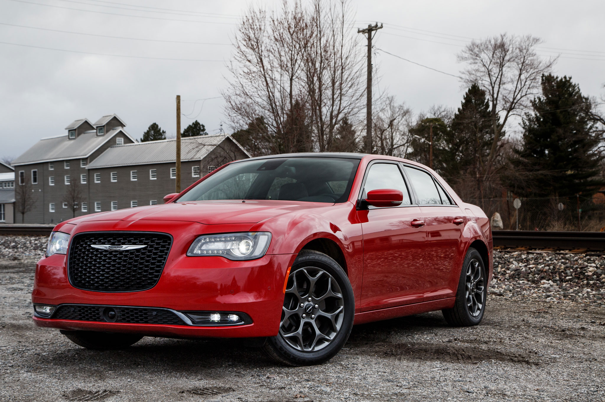 2015 chrysler 300 refresh debuts in los angeles. Black Bedroom Furniture Sets. Home Design Ideas