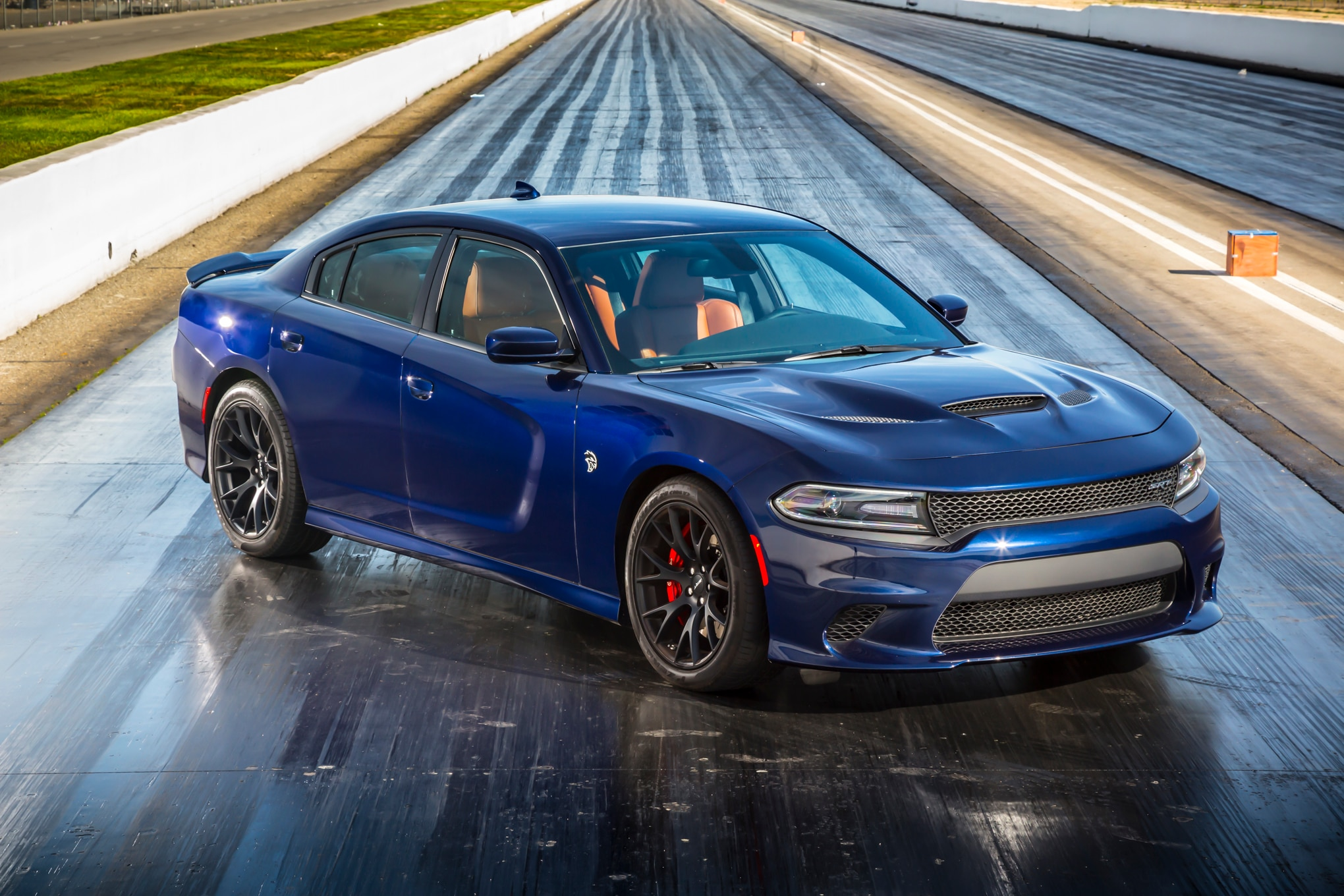 watch the 852 hp hennessey dodge charger hellcat hit the dyno. Black Bedroom Furniture Sets. Home Design Ideas