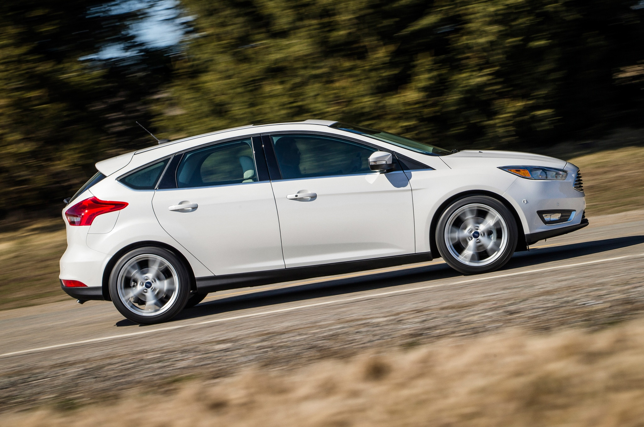 2015 ford focus hatchback side motion view tilted