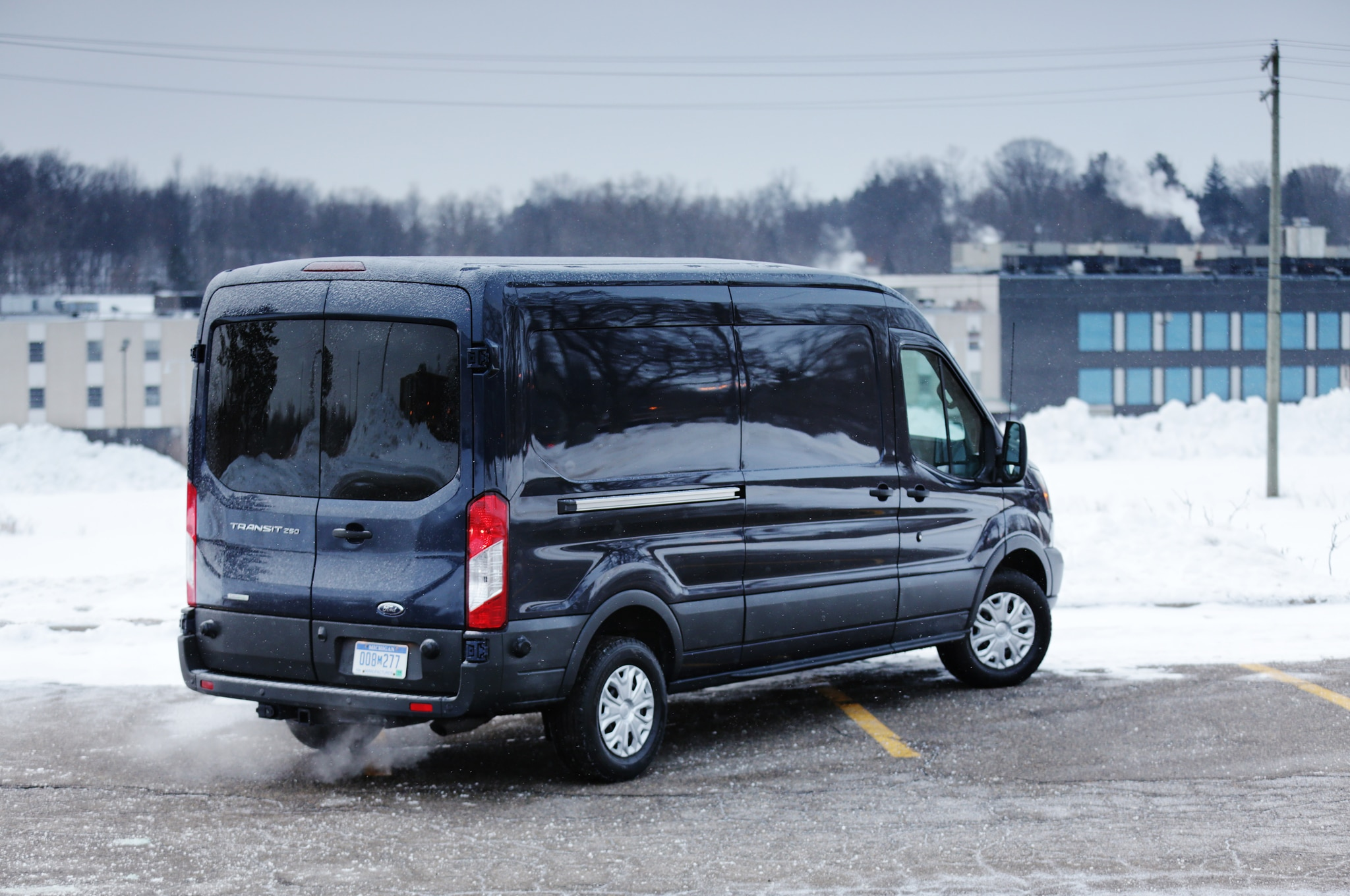 2015 ford transit mpg output cargo capacity detailed automobile. Black Bedroom Furniture Sets. Home Design Ideas