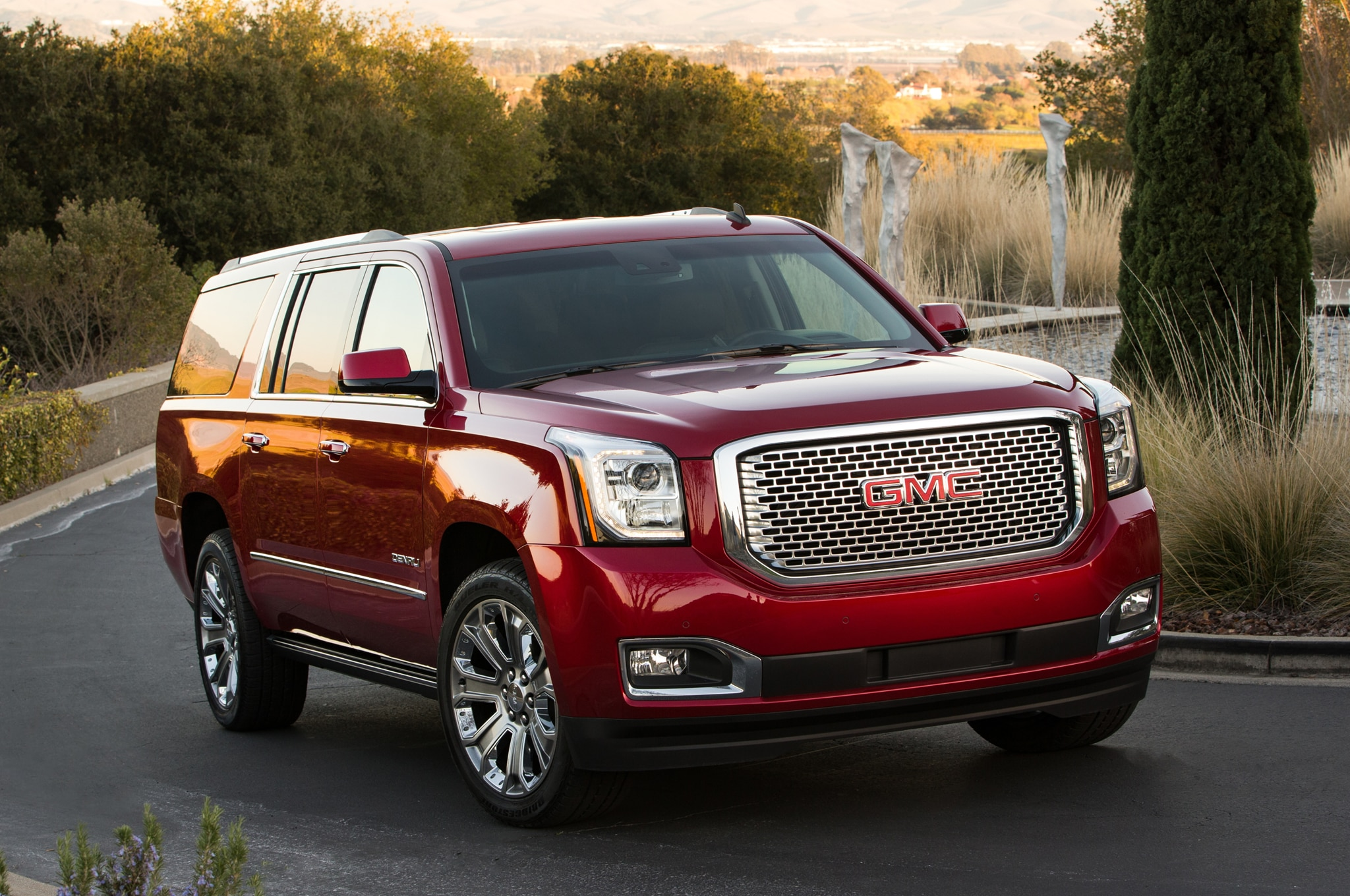 2015 gmc sierra yukon denali fuel economy improves with. Black Bedroom Furniture Sets. Home Design Ideas