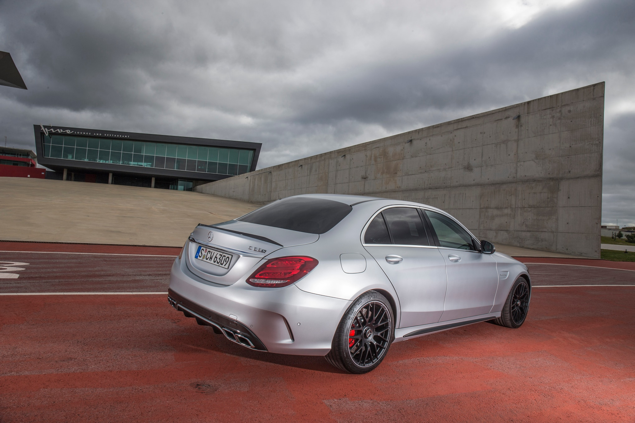 2015 mercedes amg c63 review. Black Bedroom Furniture Sets. Home Design Ideas