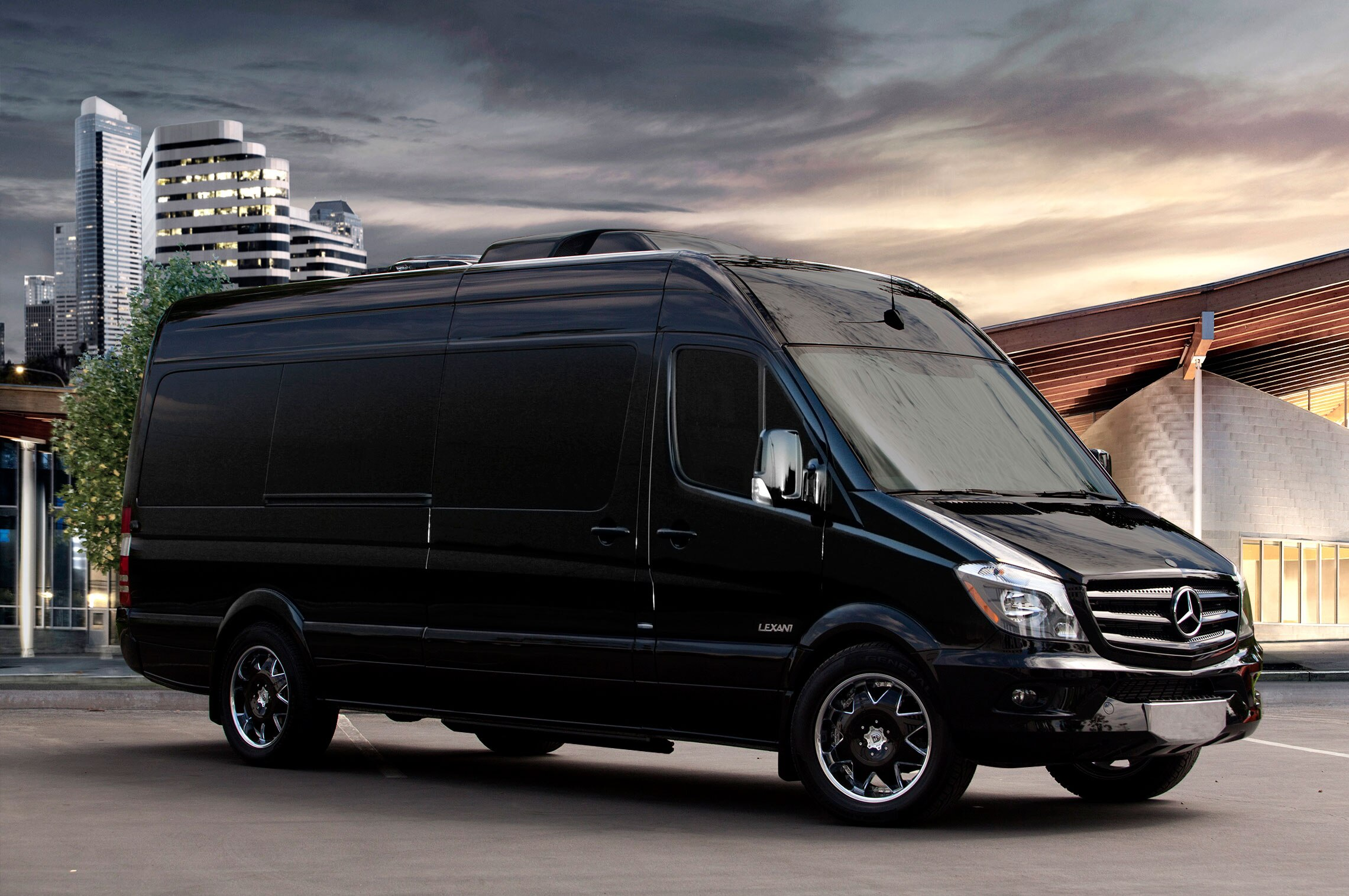 mercedes benz sprinter worker offers van capability for. Black Bedroom Furniture Sets. Home Design Ideas