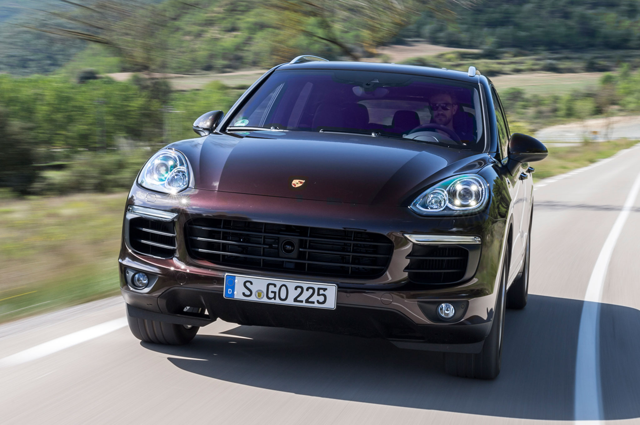 2015 porsche cayenne s e hybrid review. Black Bedroom Furniture Sets. Home Design Ideas