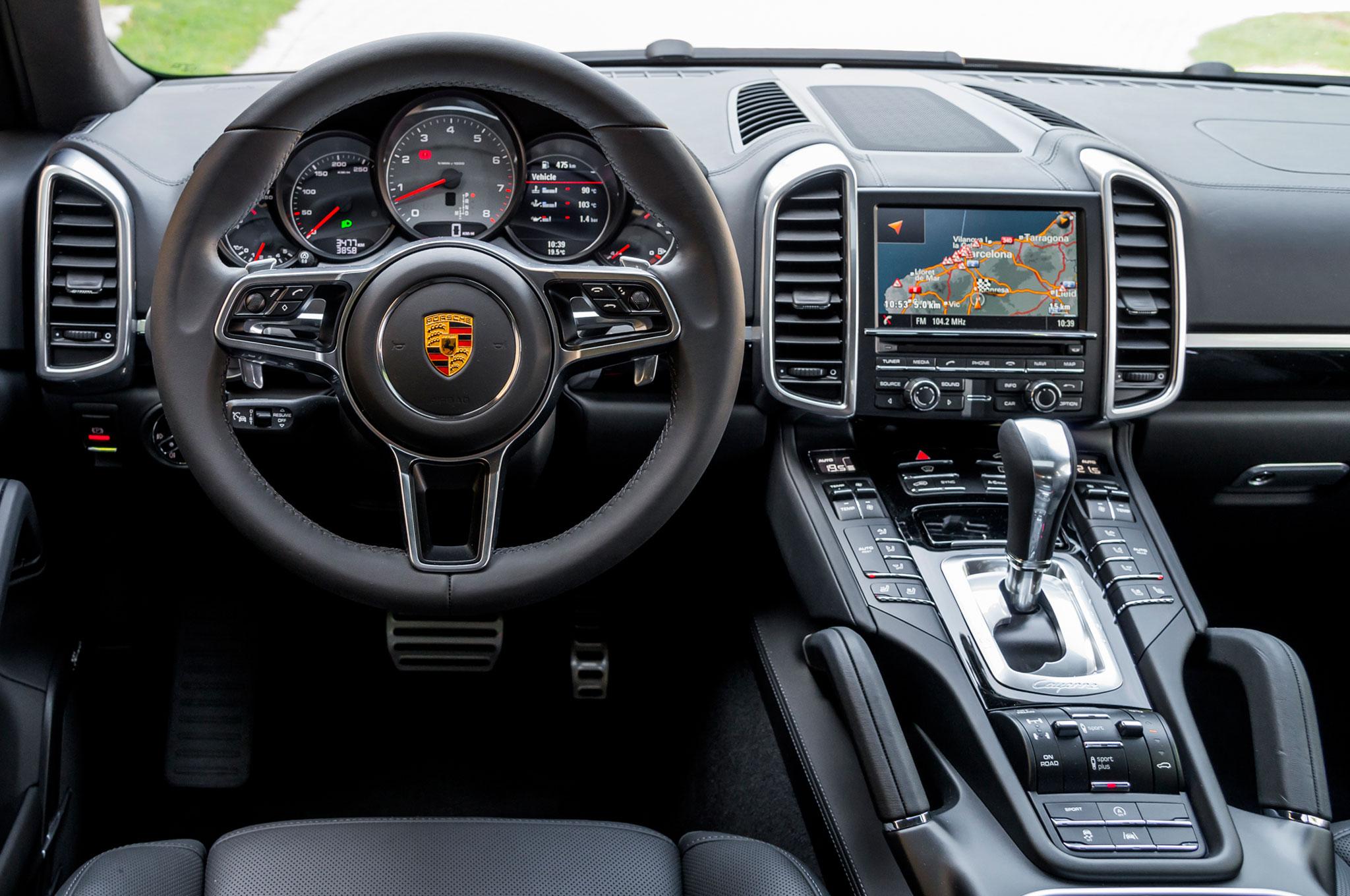 2015 porsche cayenne s steering wheel - Porsche Cayenne Turbo S 2015