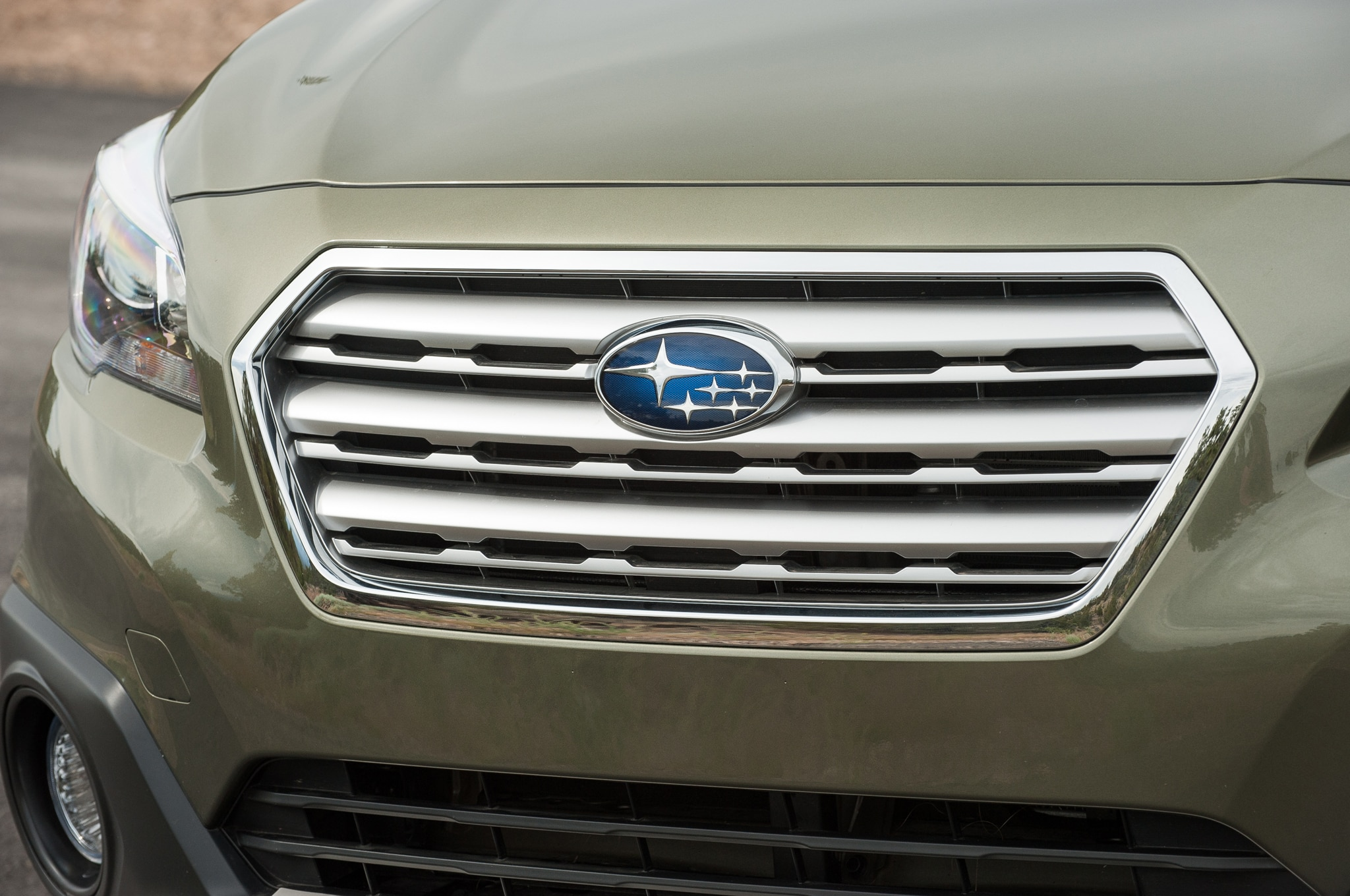 2015 Subaru Outback and Legacy Earn Top Safety Pick  Rating